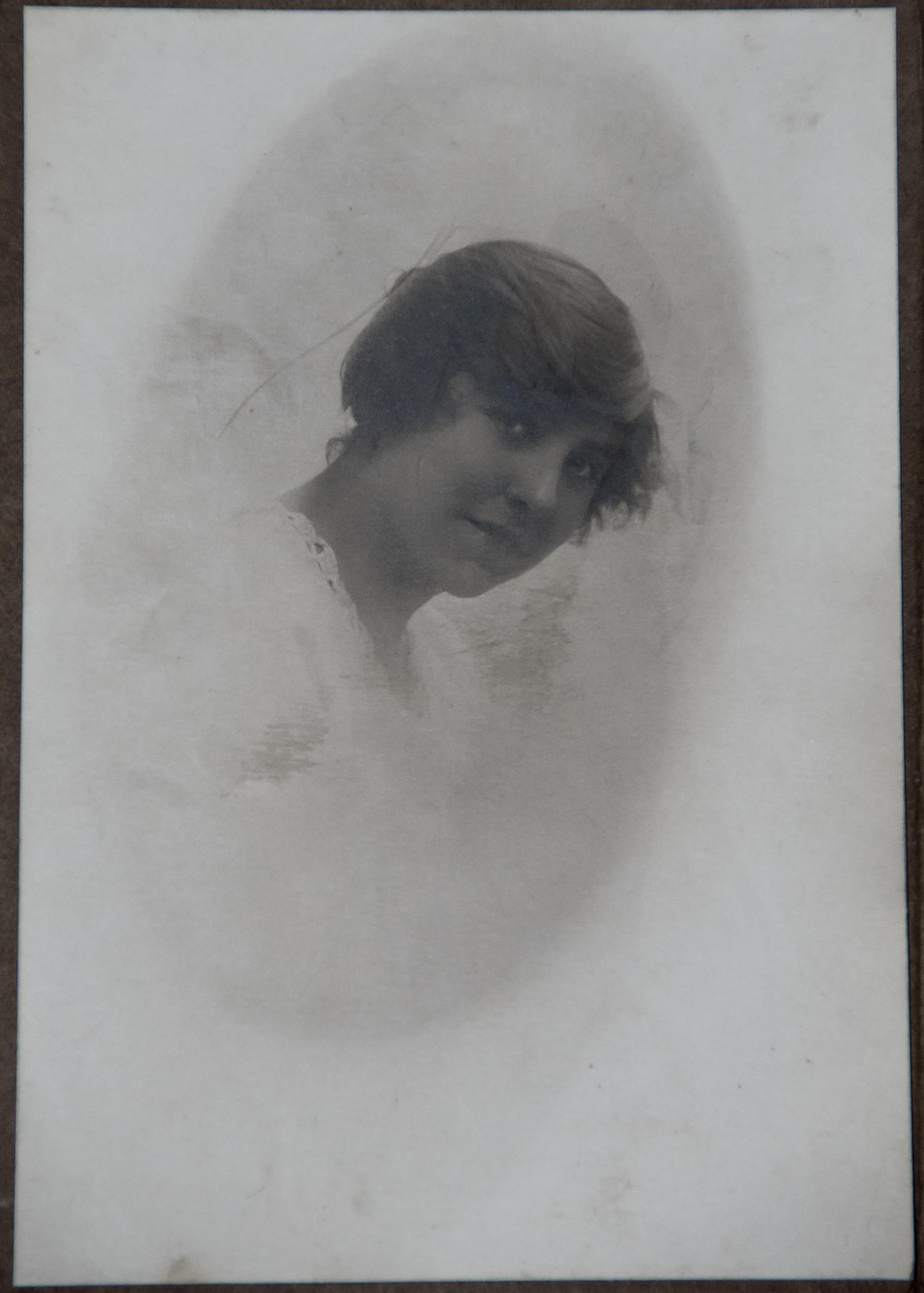 Fotoğraf Siyah Ve Beyaz Kız Kadın Bağbozumu Eski Portre Genç