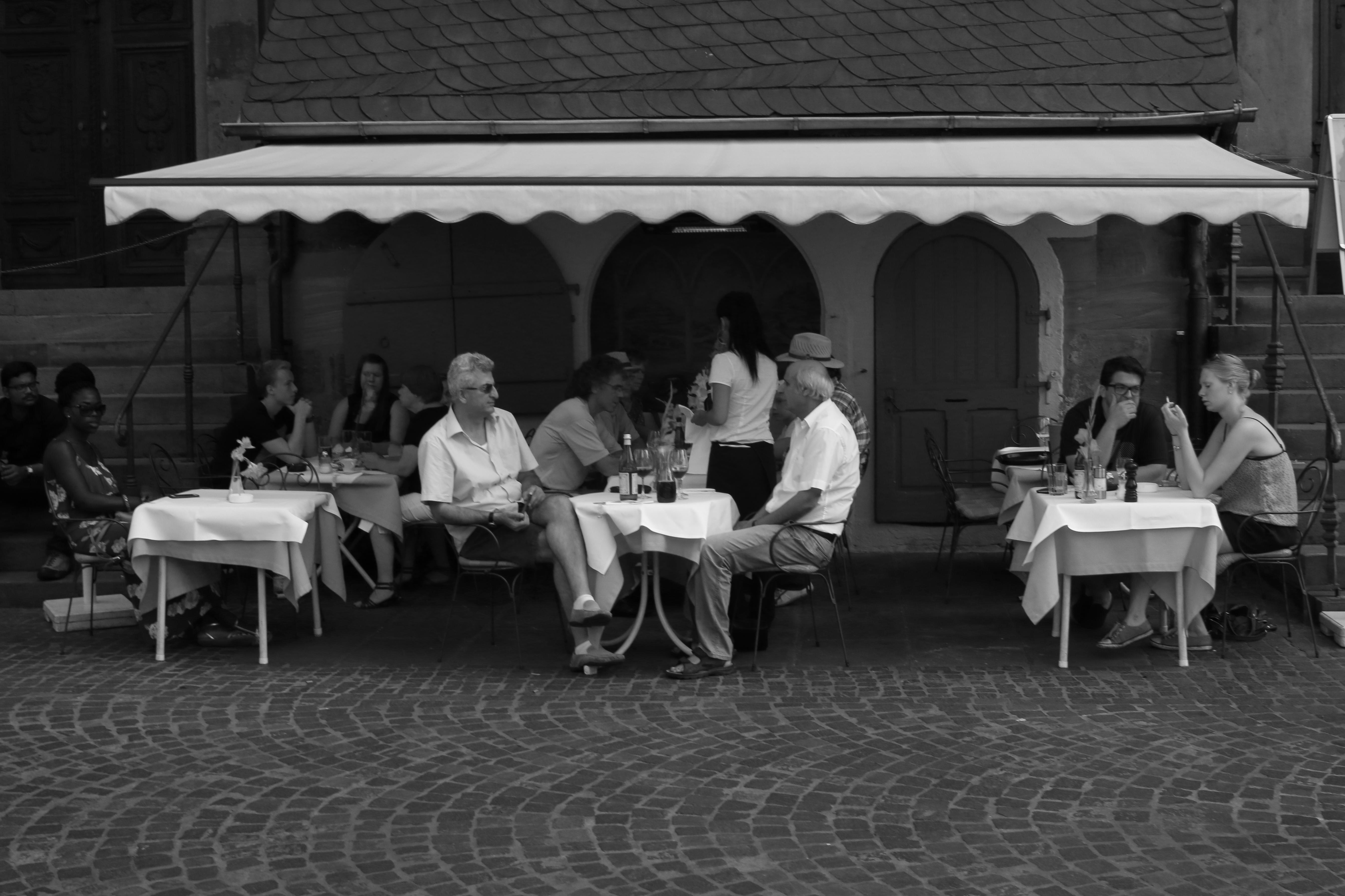 Fotografie Heidelberg kostenlose foto schwarz und weiß menschen heidelberg einfarbig