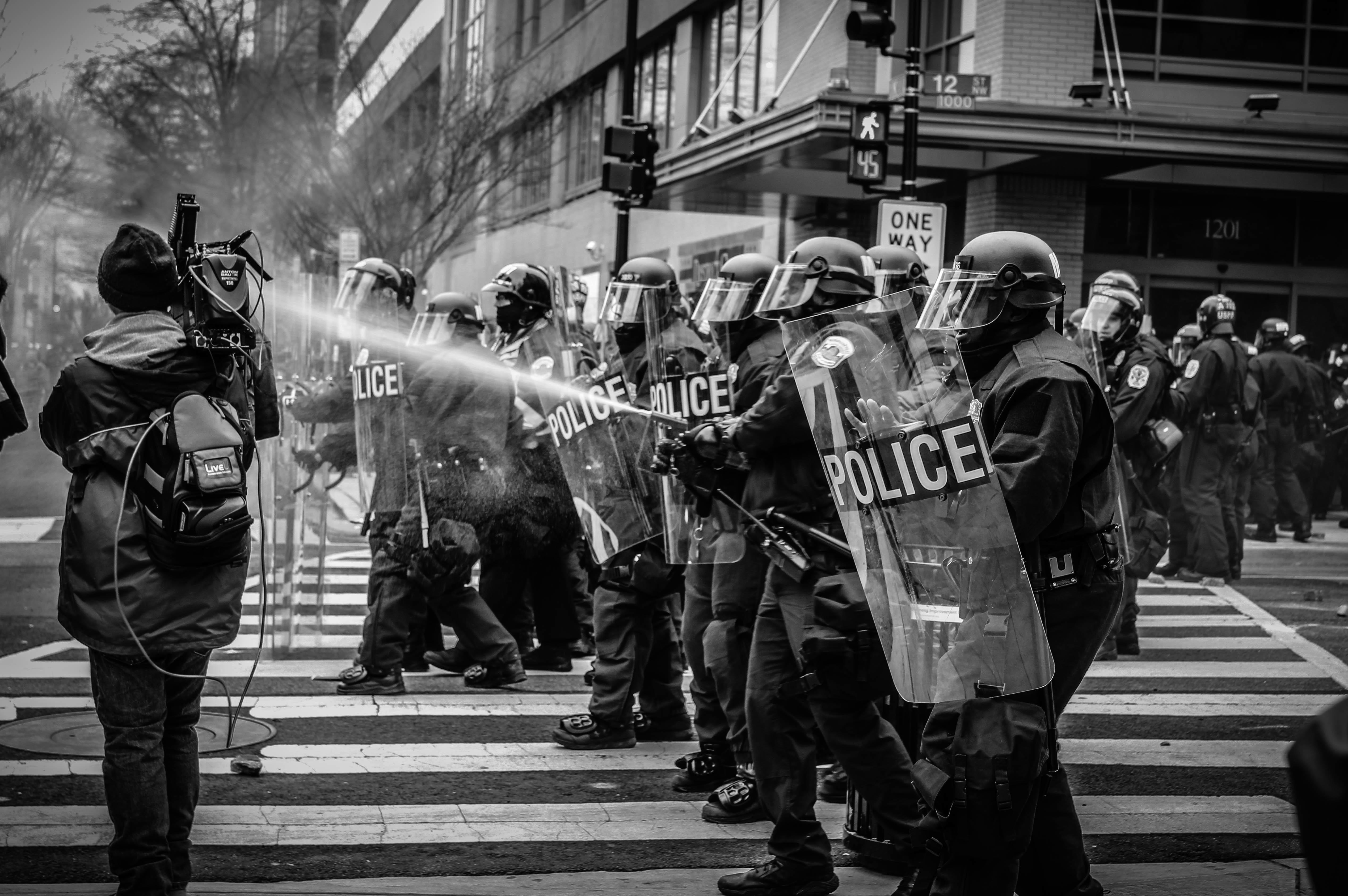 обои : люди, толпа, Черный, черное и белое, Монохромная фотография ...   3373x5072