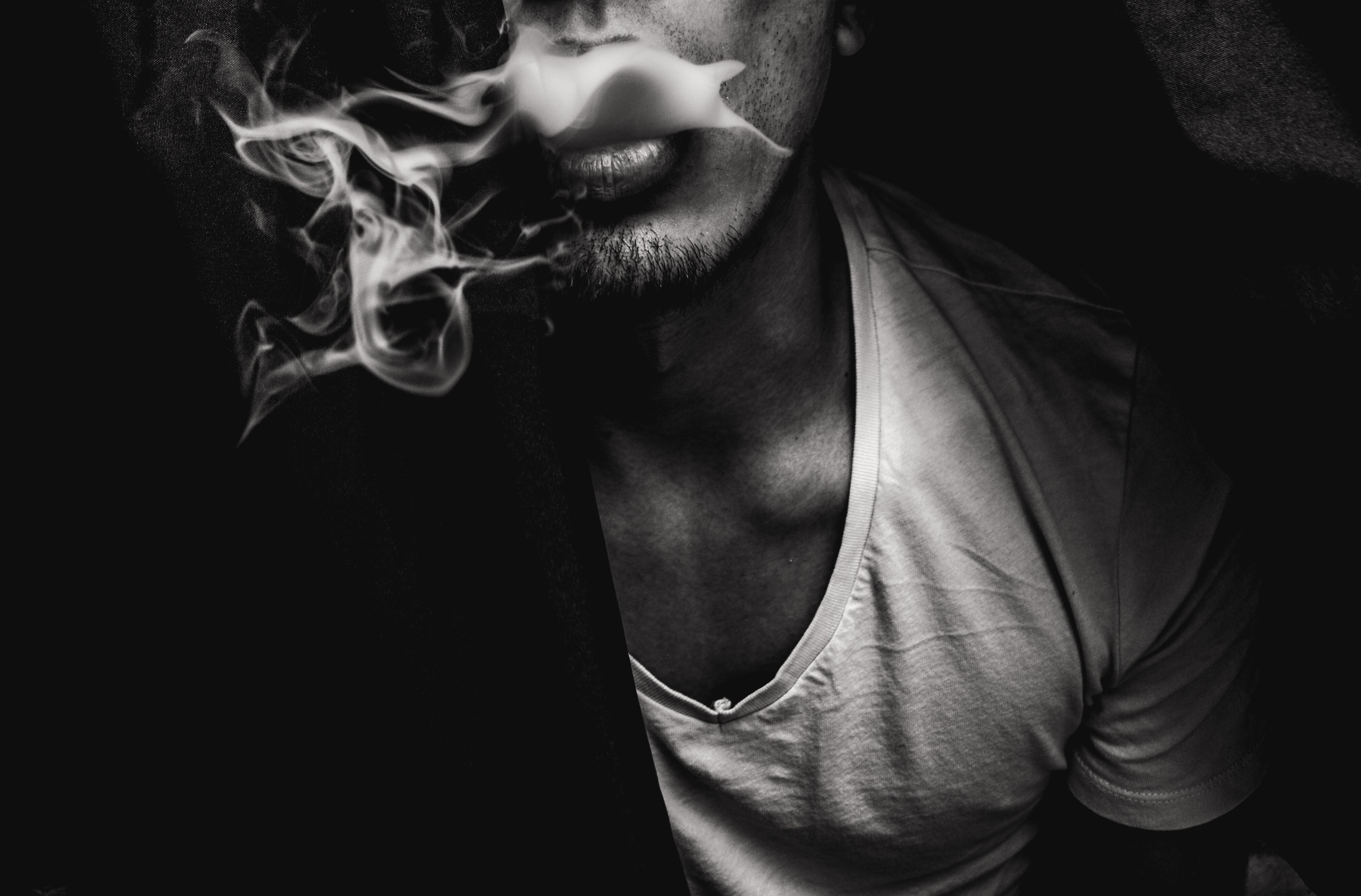 Картинки курящих парней с дымом