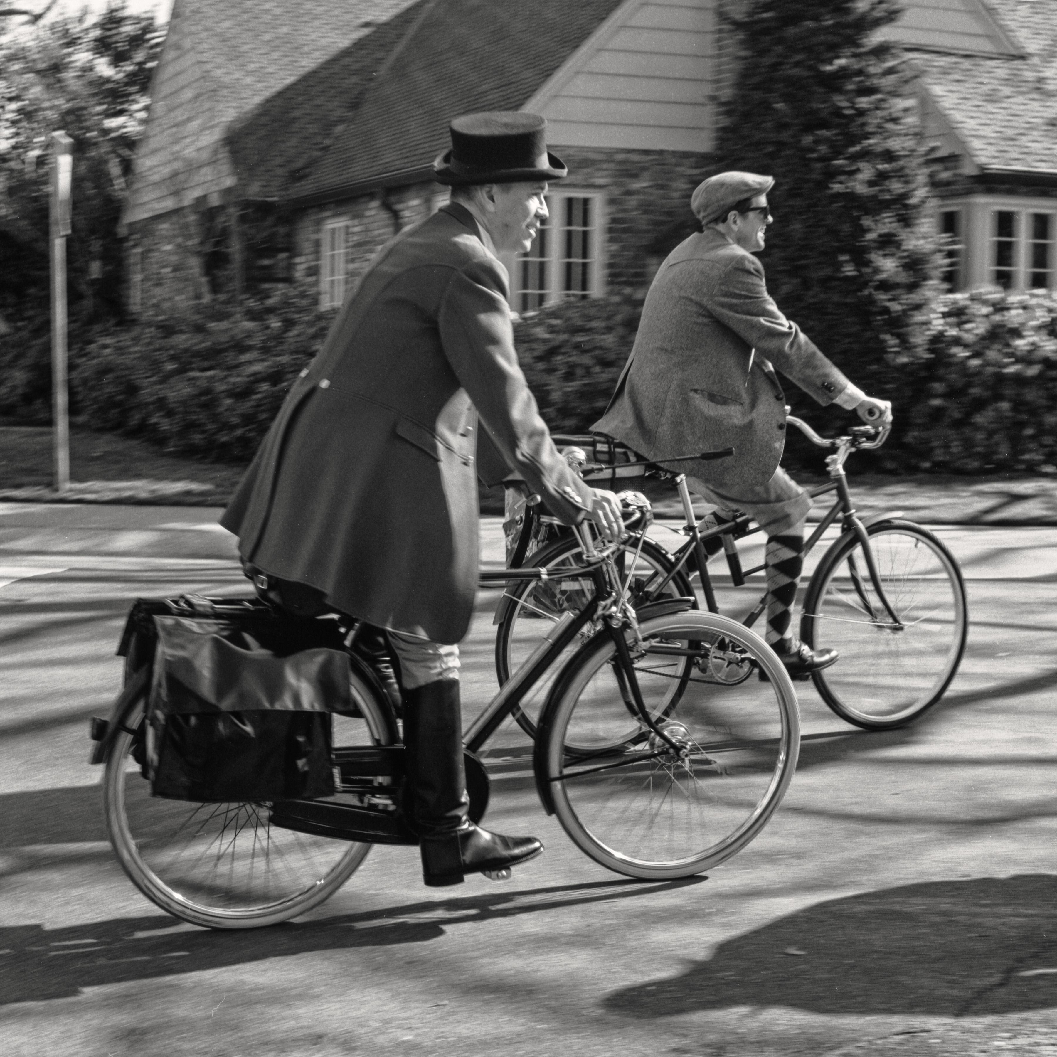 для лечения черно белые ретро фото велосипеды что обратить