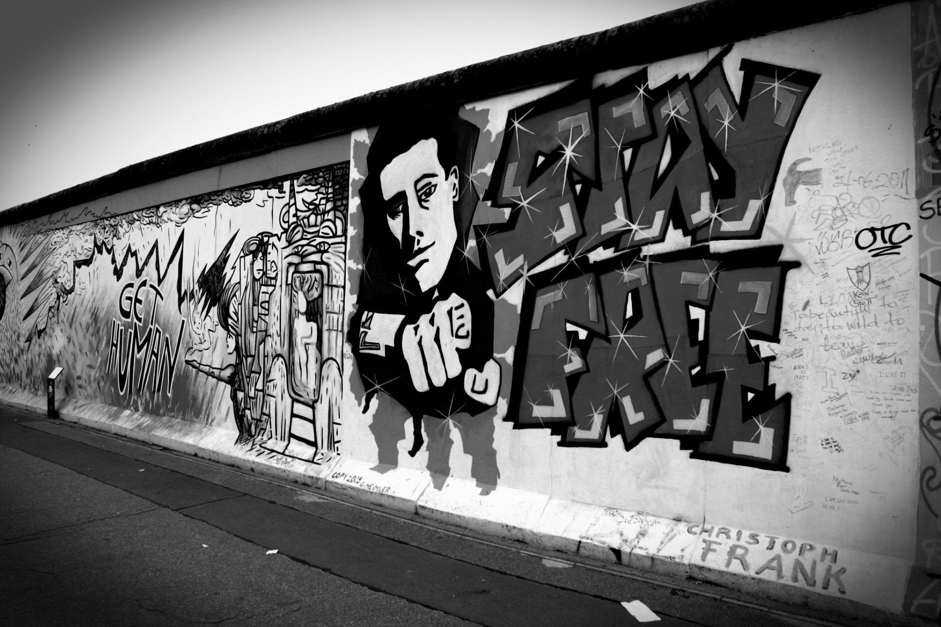певица актриса фотографии граффити черно белые фильма молодость контрастирует