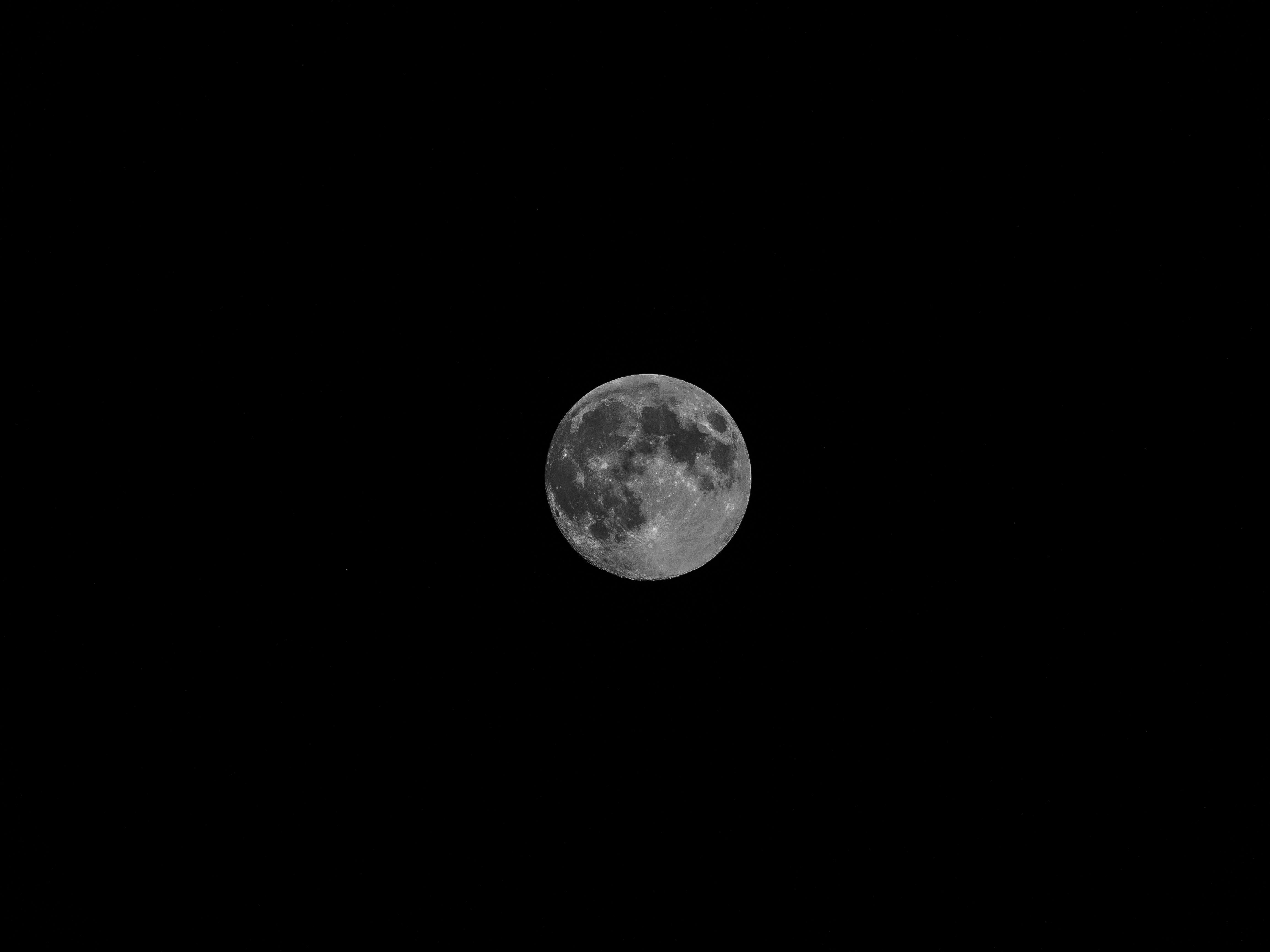 Gambar Hitam Dan Putih Langit Suasana Bulan Purnama Lingkaran
