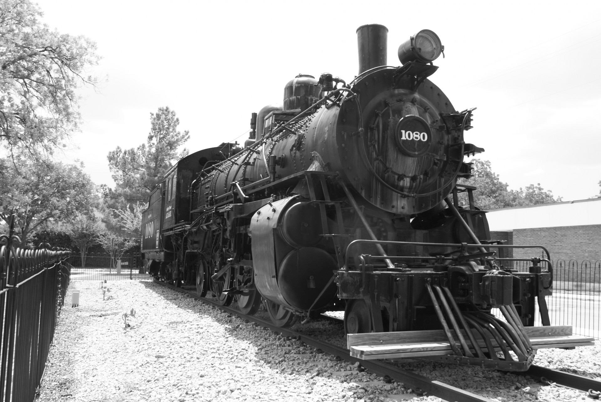 располагается фотографии старых паровозов последнее