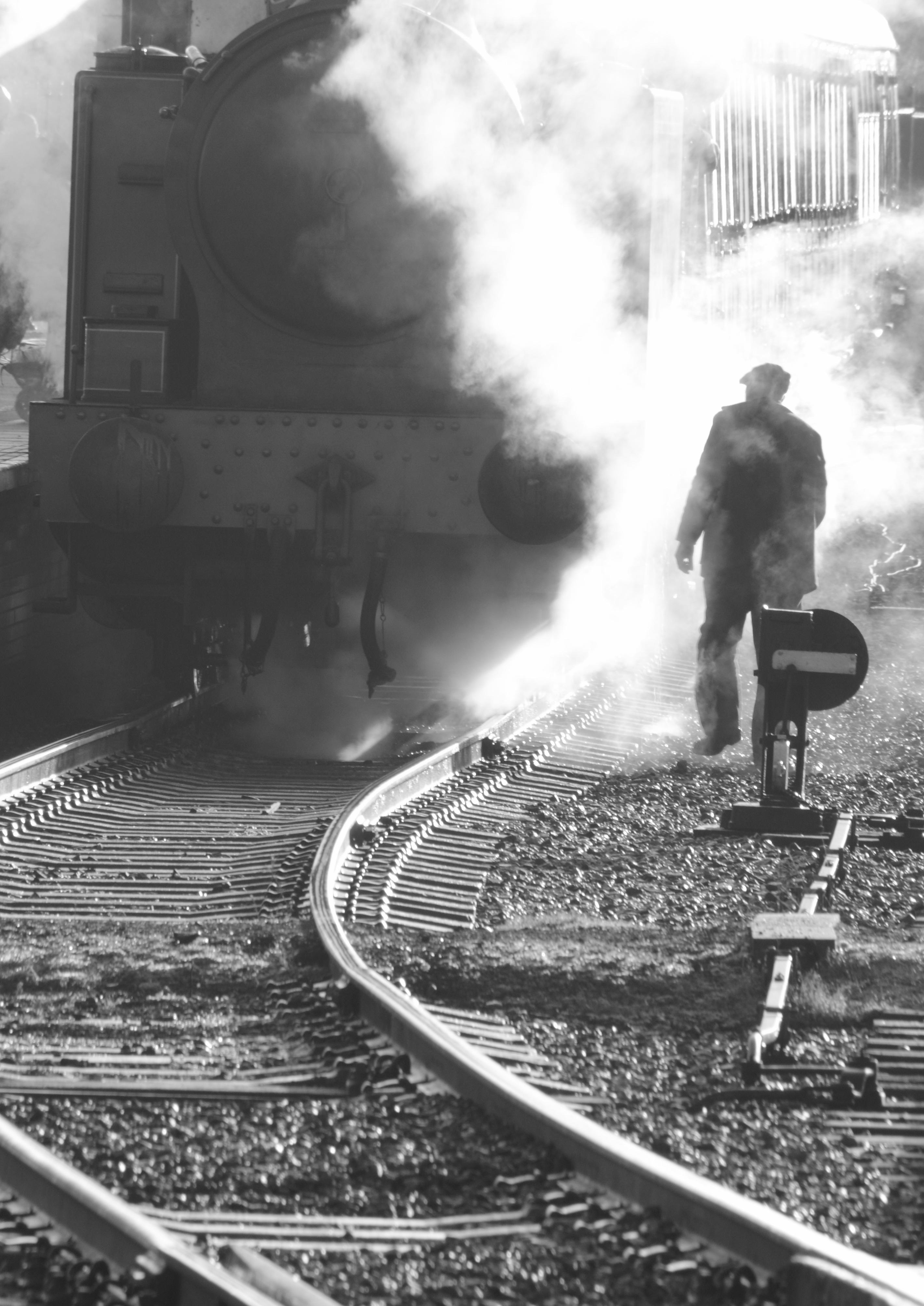 Nostalgische Stehlen kostenlose foto schwarz und weiß spur eisenbahn weiß