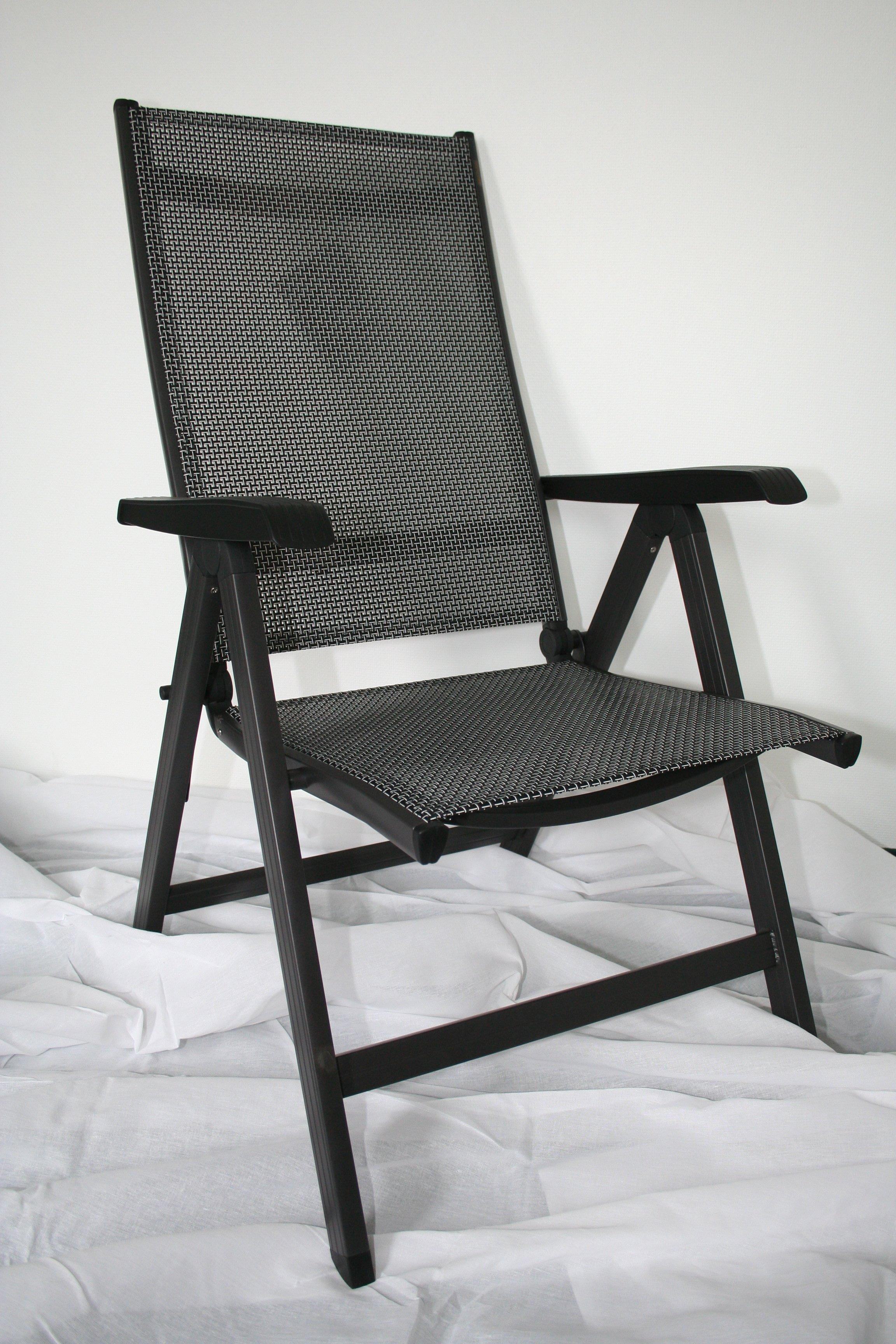 en blanco y negro blanco silla asiento sentado vaco mueble brazo