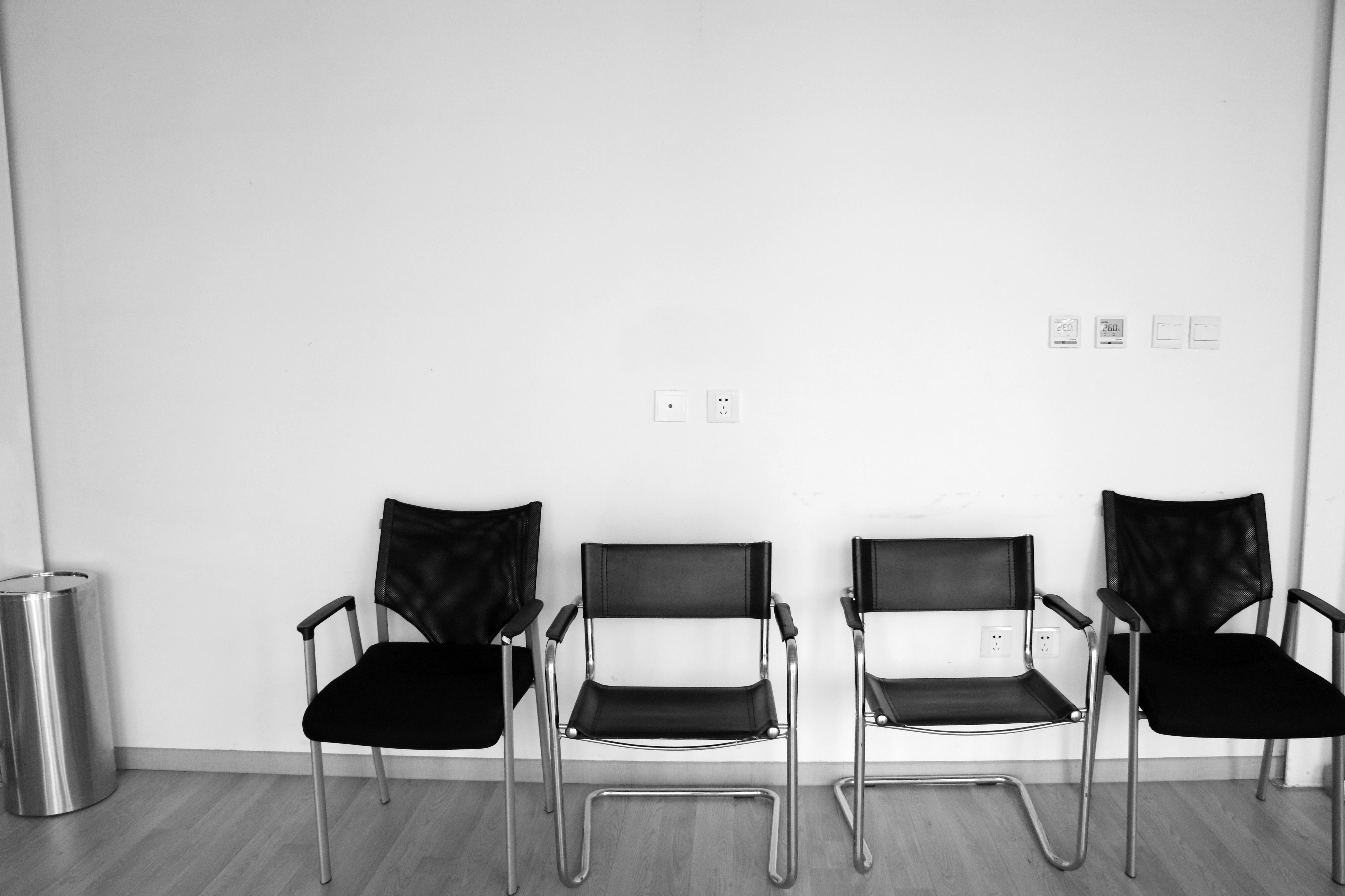 Gambar Hitam Dan Putih Rumah Kursi Milik Ruang Keluarga Mebel