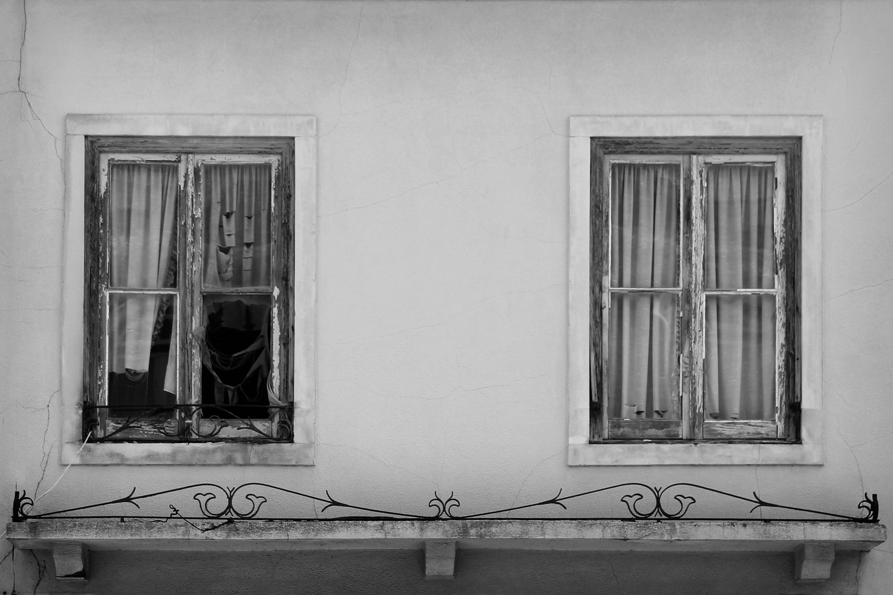 images gratuites noir et blanc la photographie maison fen tre mur monochrome porte. Black Bedroom Furniture Sets. Home Design Ideas