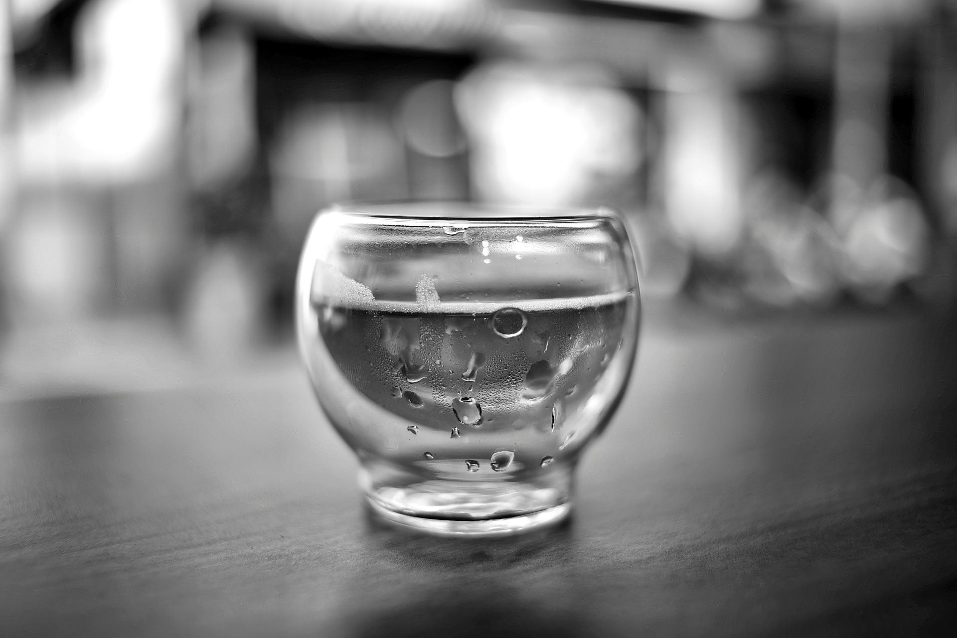 тому фотография на стакане сумма может