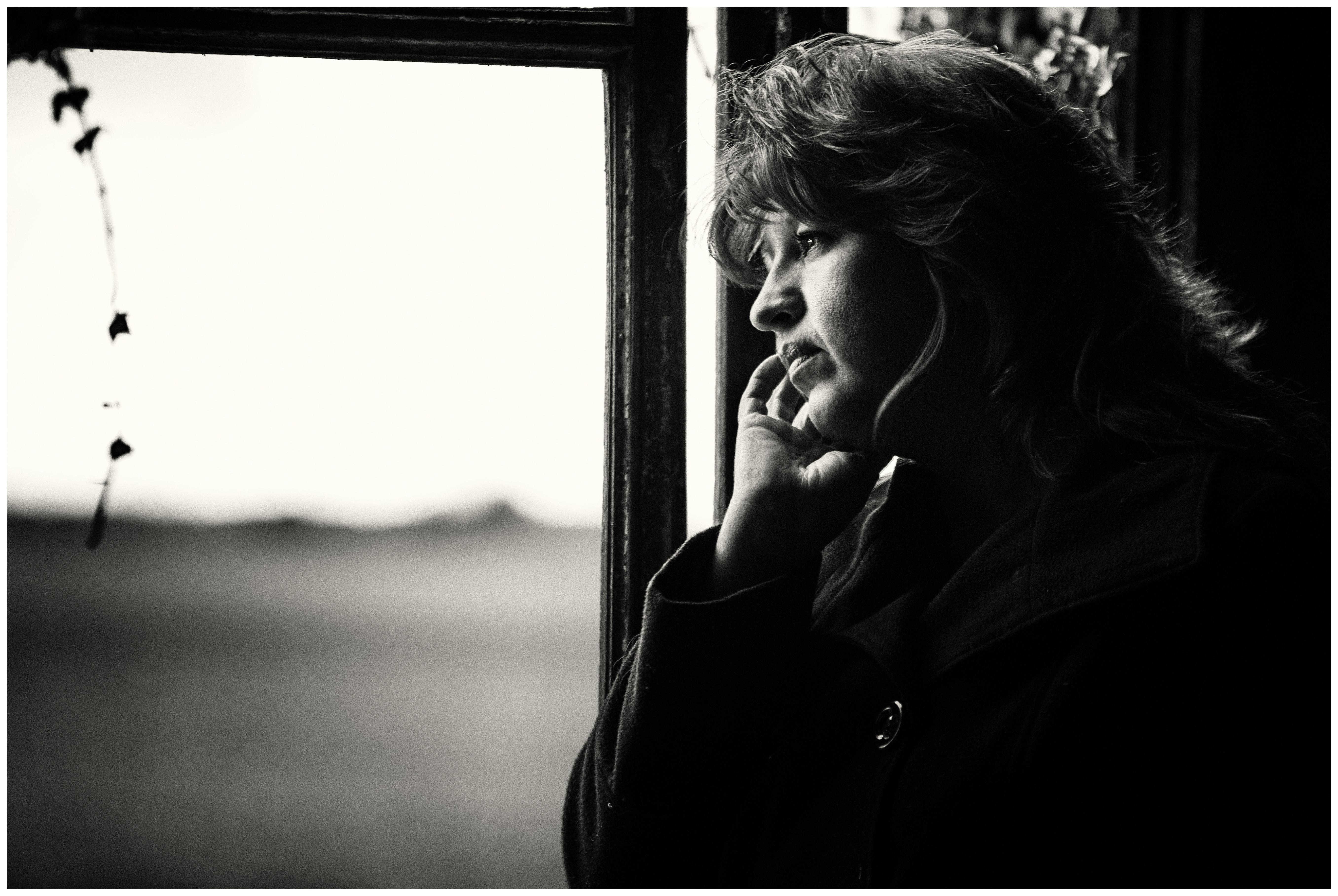 88+ Gambar Wanita Galau Hitam Putih