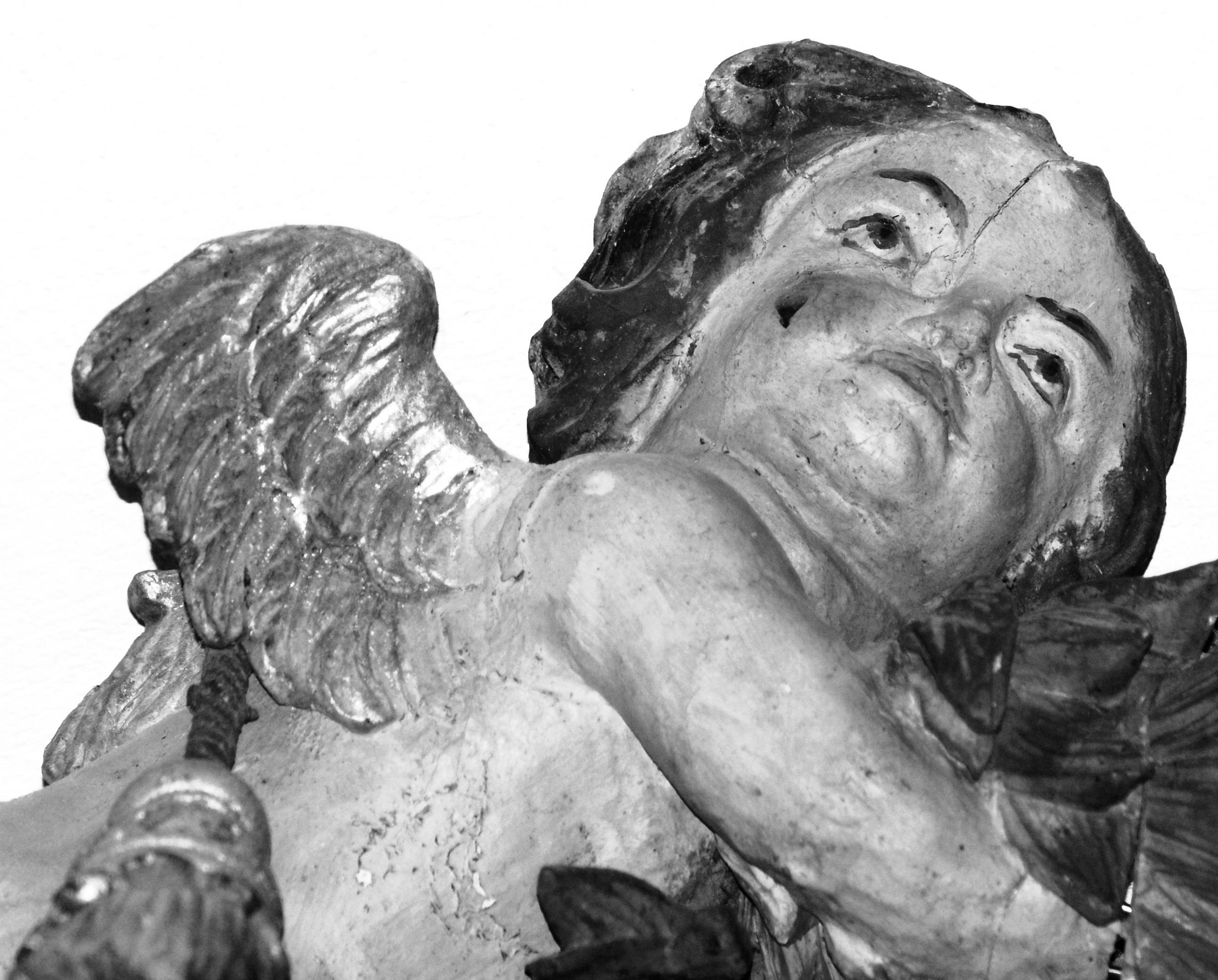 Gambar Hitam Dan Putih Kayu Antik Tua Monumen Patung