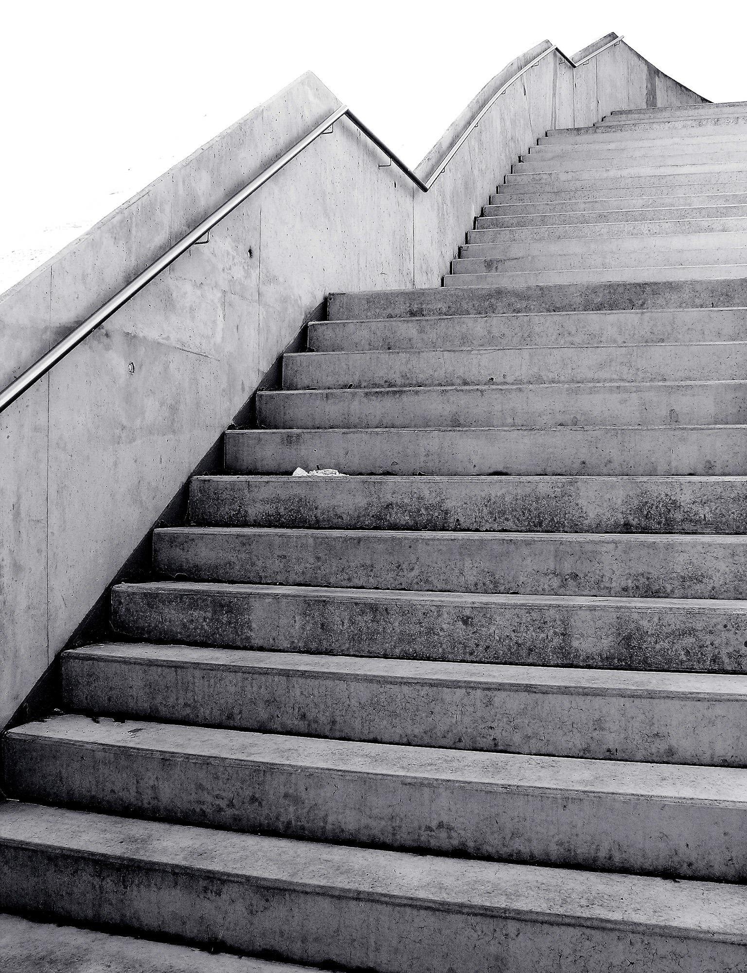 Treppe Hamburg kostenlose foto schwarz und weiß holz dach mauer treppe linie