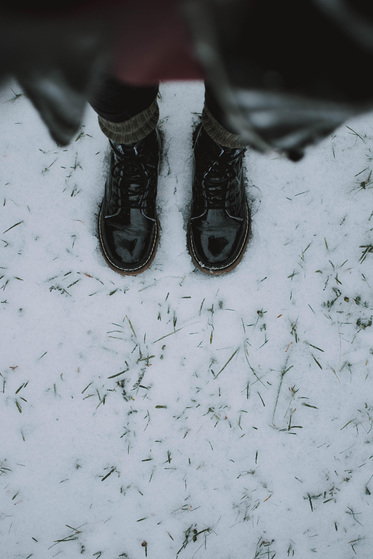 Hình ảnh đôi Giầy đen Giày ống Màu Sắc Giày Dép Da