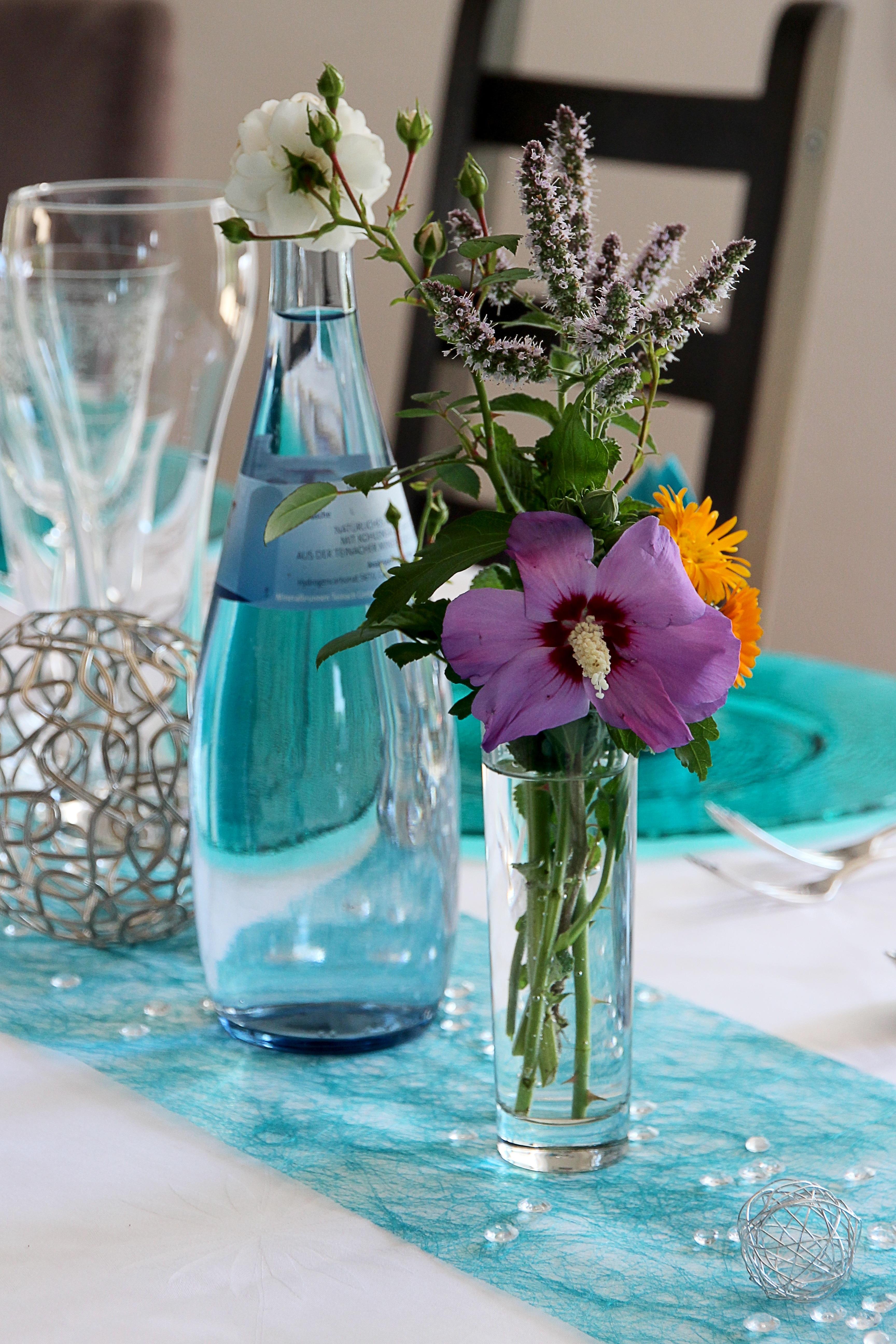 Gratis afbeeldingen bloesem bloem bloeien glas restaurant bloemen viering vaas - Restaurant decoratie ...