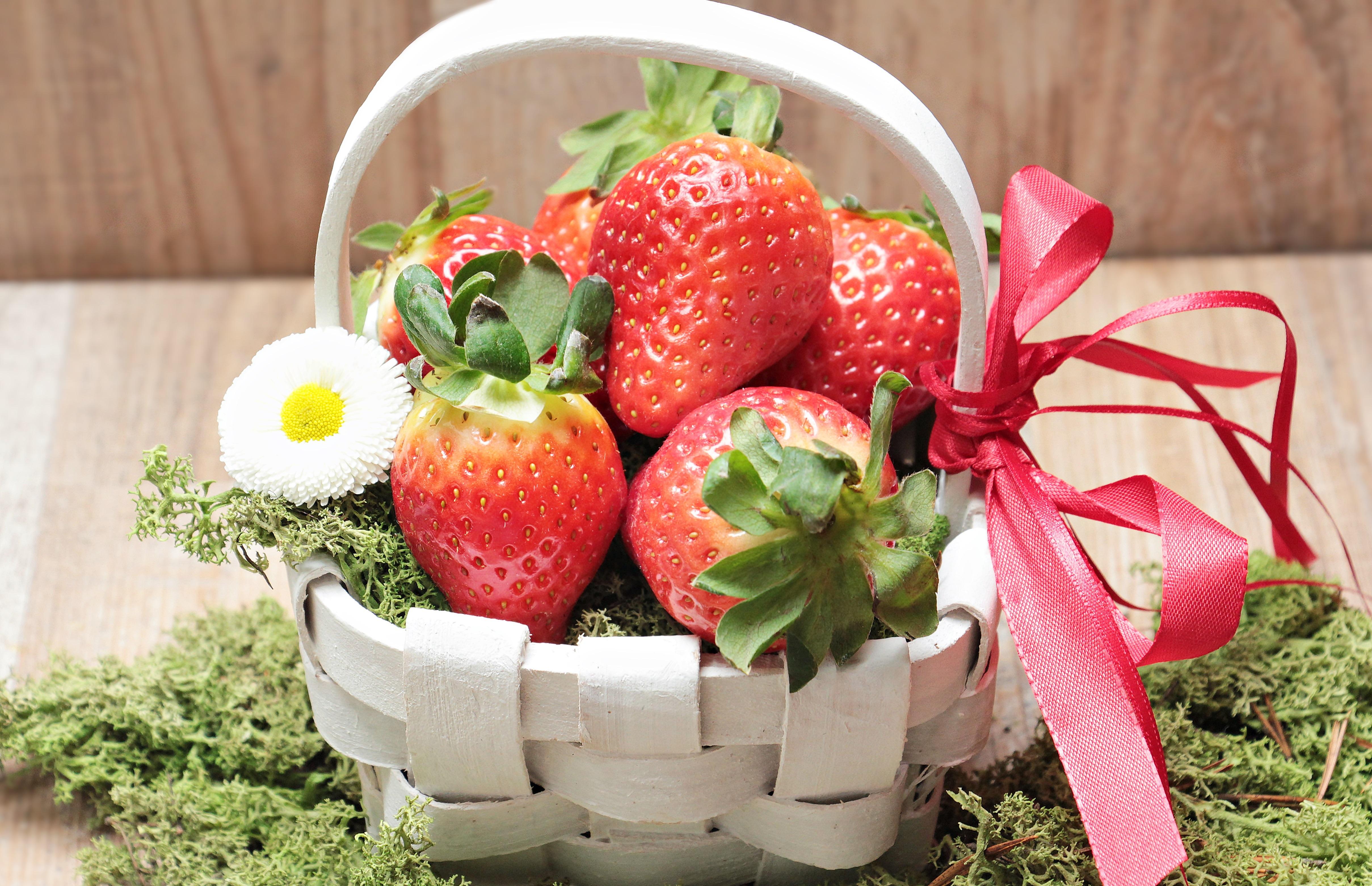 groen van aardbei eten