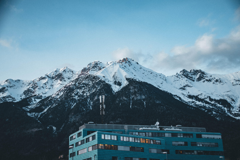 Fotoğraf Mavi Gökyüzü Bina Soğuk Renkli Günışığı Masaüstü