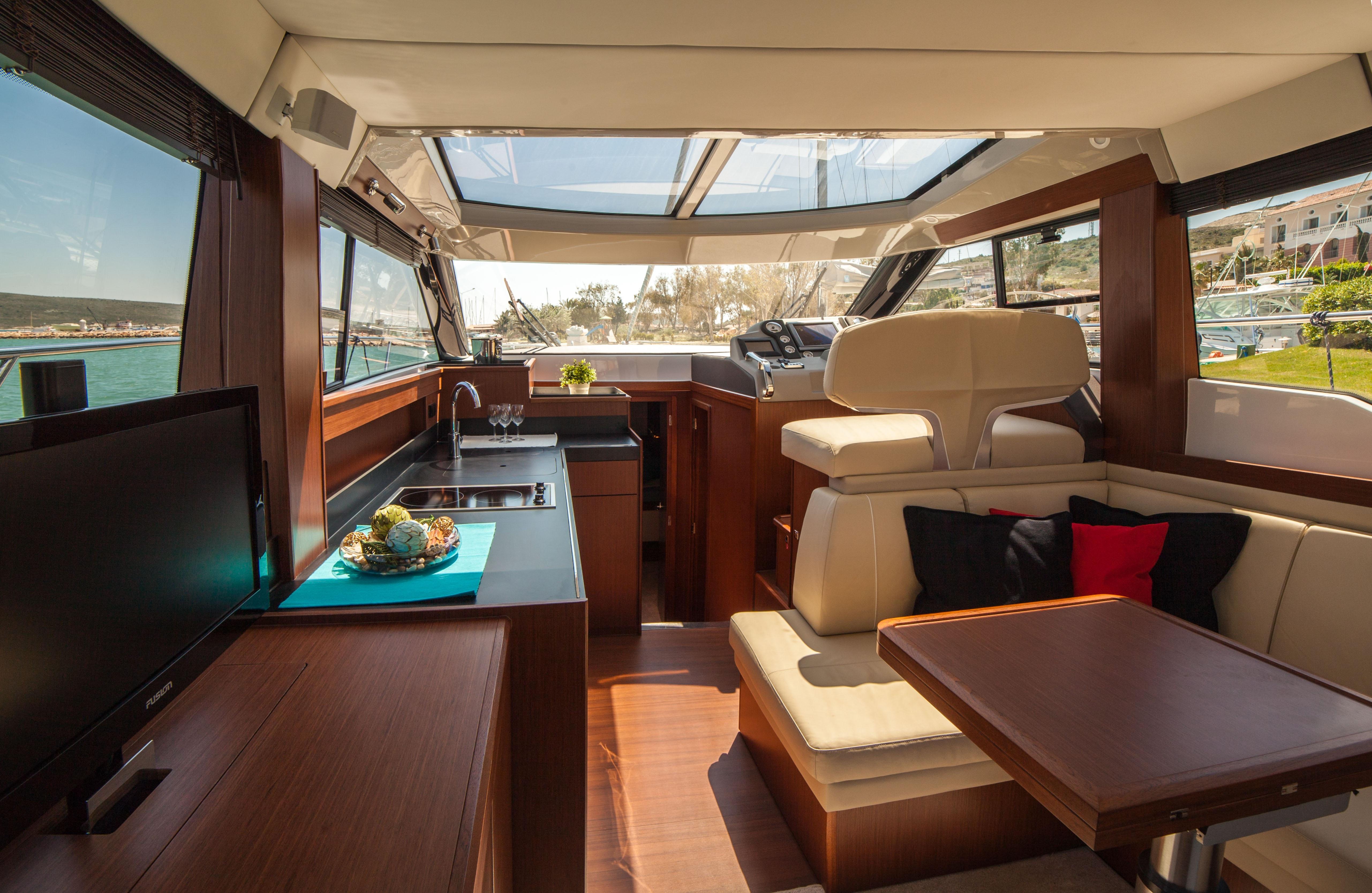 Fotos gratis barco interior enviar veh culo cabina habitaci n embarcaciones ecosistema - Yates de lujo interior ...