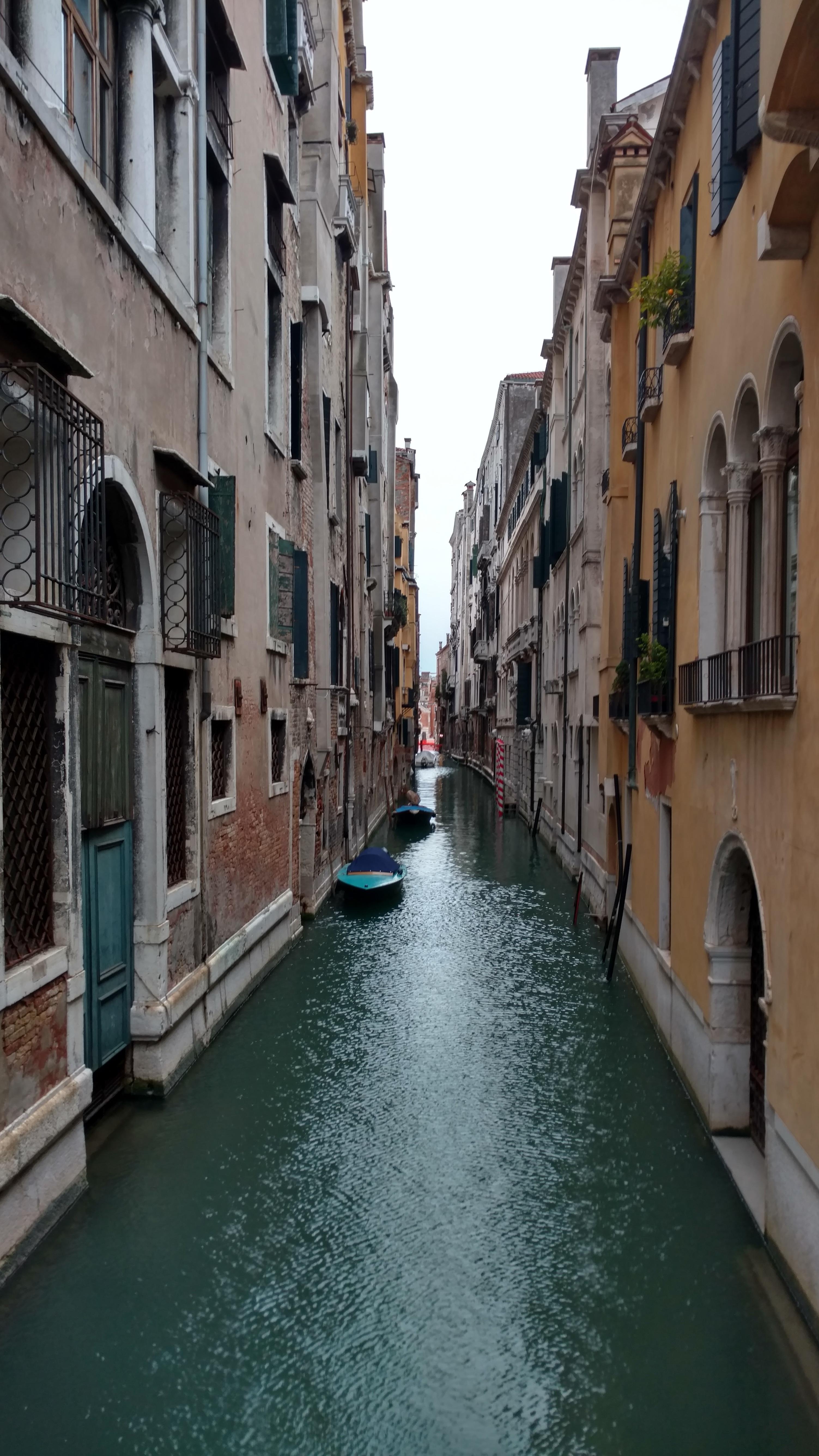 images gratuites   bateau  ville  canal  v u00e9hicule  venise  tourisme  voie navigable  plan d u0026 39 eau