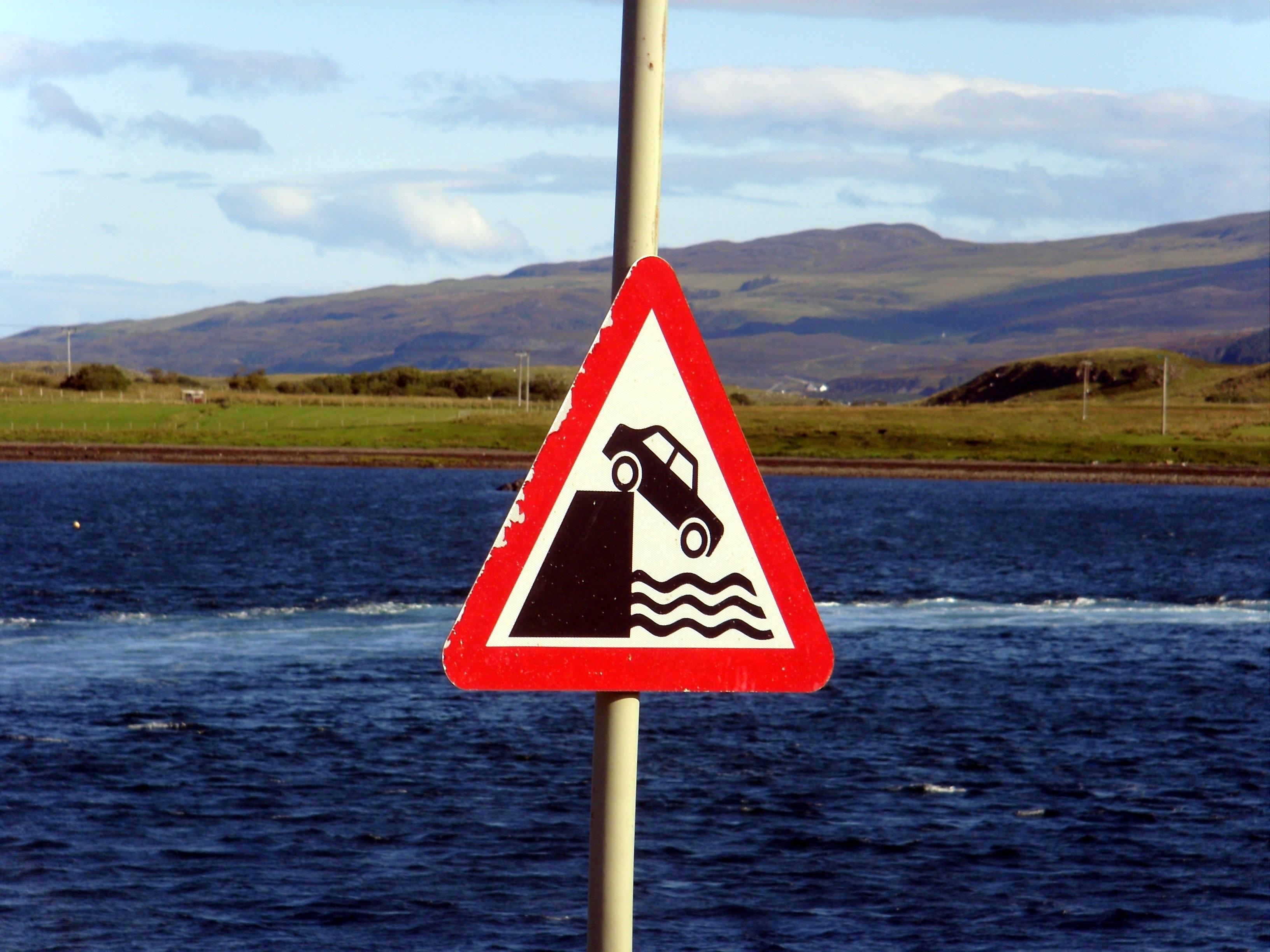 предупреждающие знаки фото каждый день