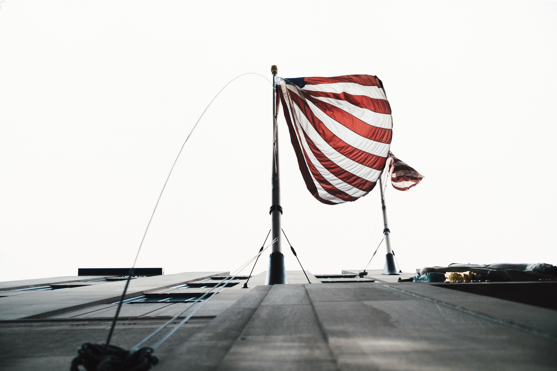 Kostenlose foto : Boot, Wind, Draht, Pole, Fahrzeug, Mast, Flagge ...