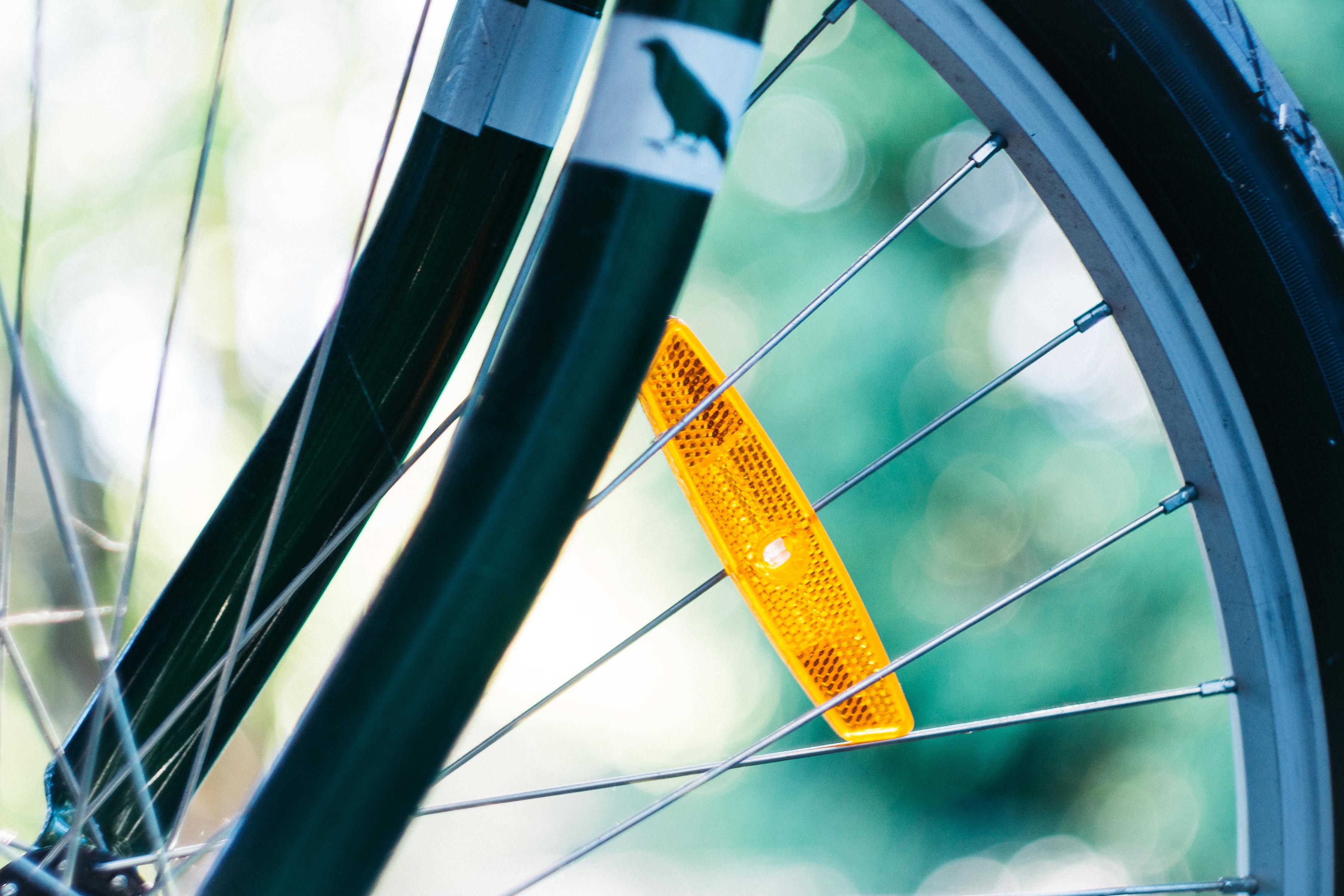 Kostenlose foto : Bokeh, Rad, Fenster, Glas, Fahrrad, Linie, Grün ...
