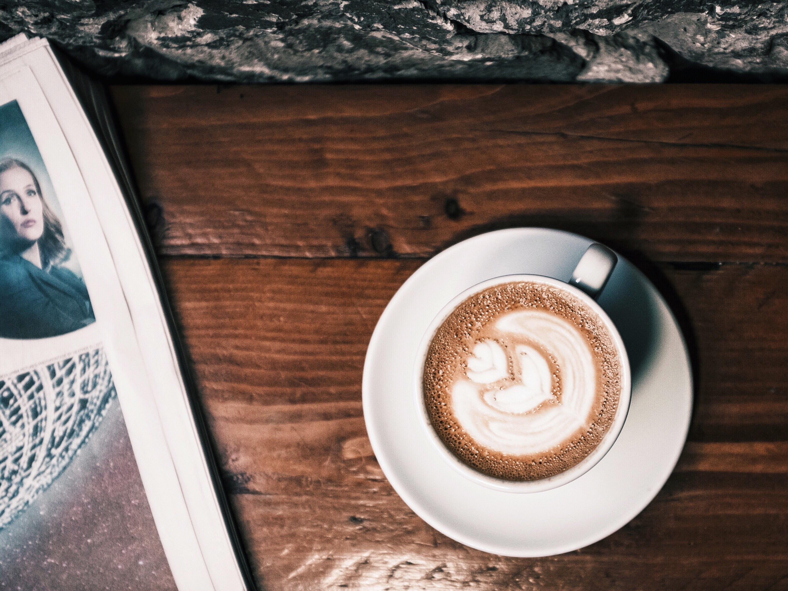 Kostenlose foto : Buch, Kaffee, Lesen, Zeitung, Tasse, friedlich ...