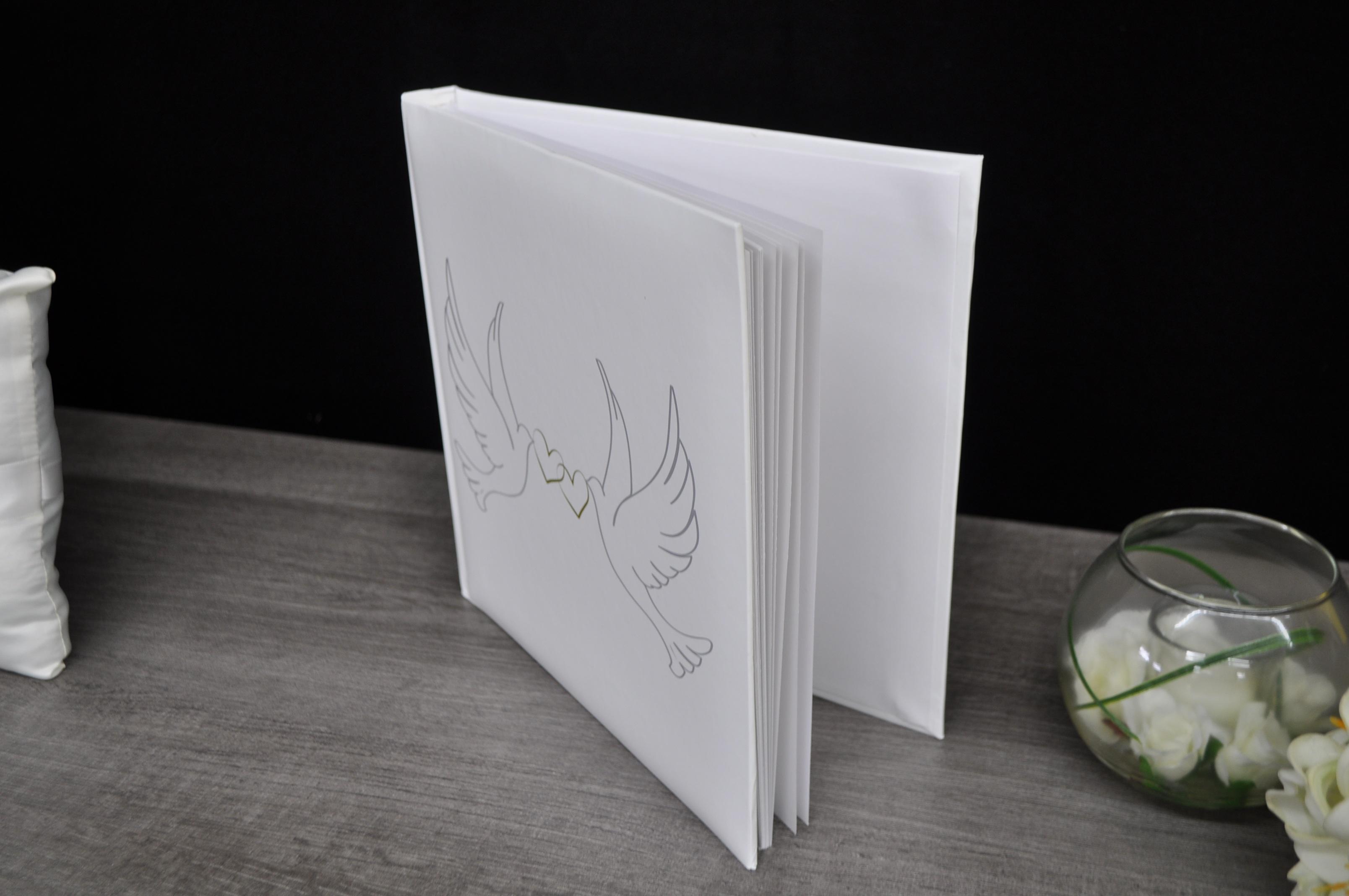 Kostenlose foto : Buch, Dekoration, Keramik, Beleuchtung, Hochzeit ...