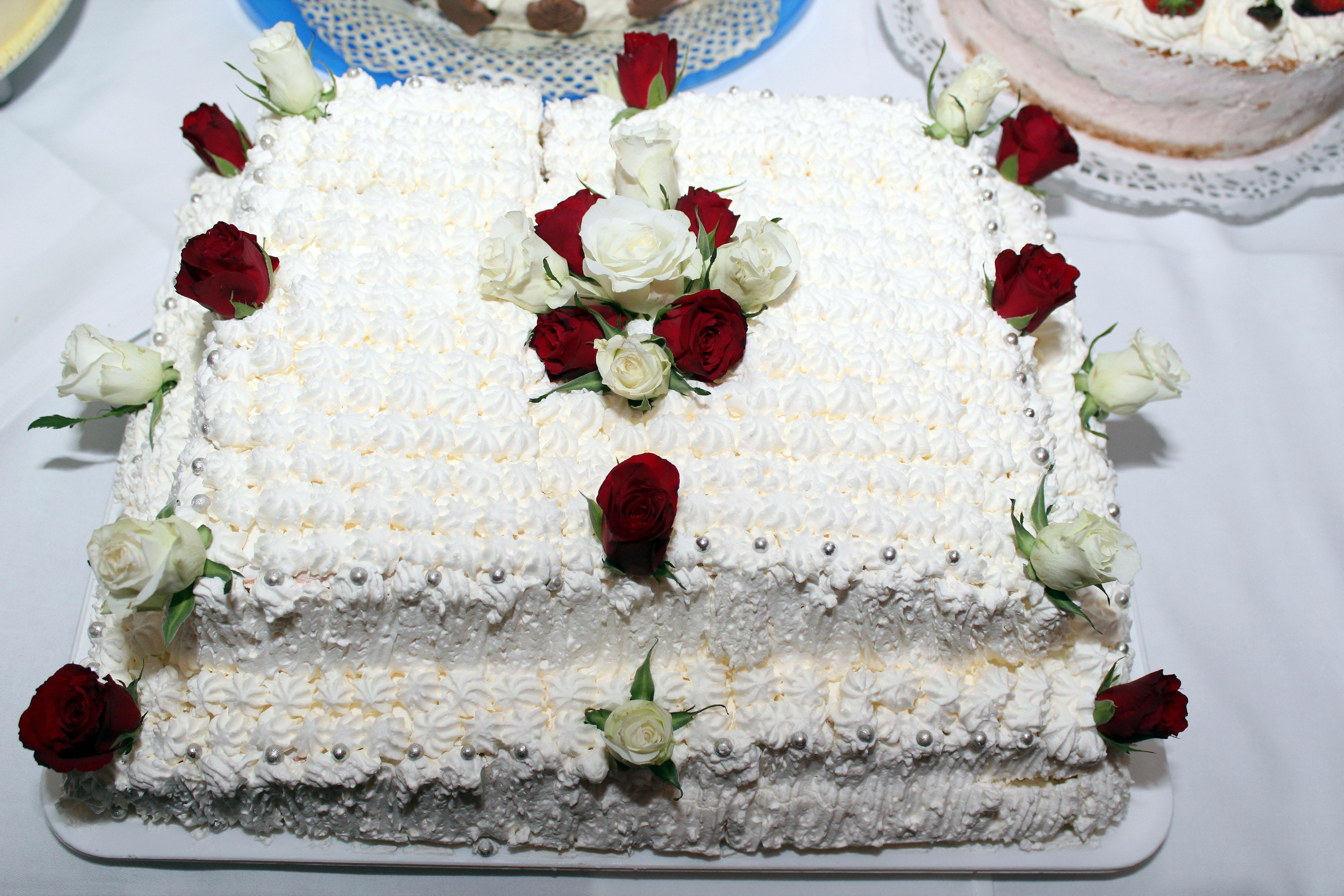 fotos gratis libro comida postre cocina delicioso pastel de cumpleaos formacin de hielo productos horneados flor rosa pastel de boda torta