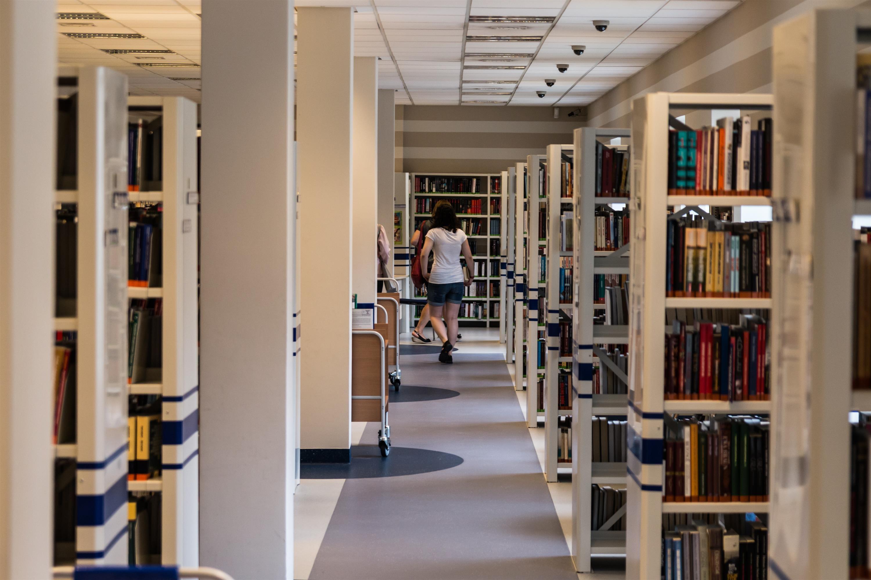 Innenarchitektur Bücher kostenlose foto lesen gebäude lesen bildung innenarchitektur
