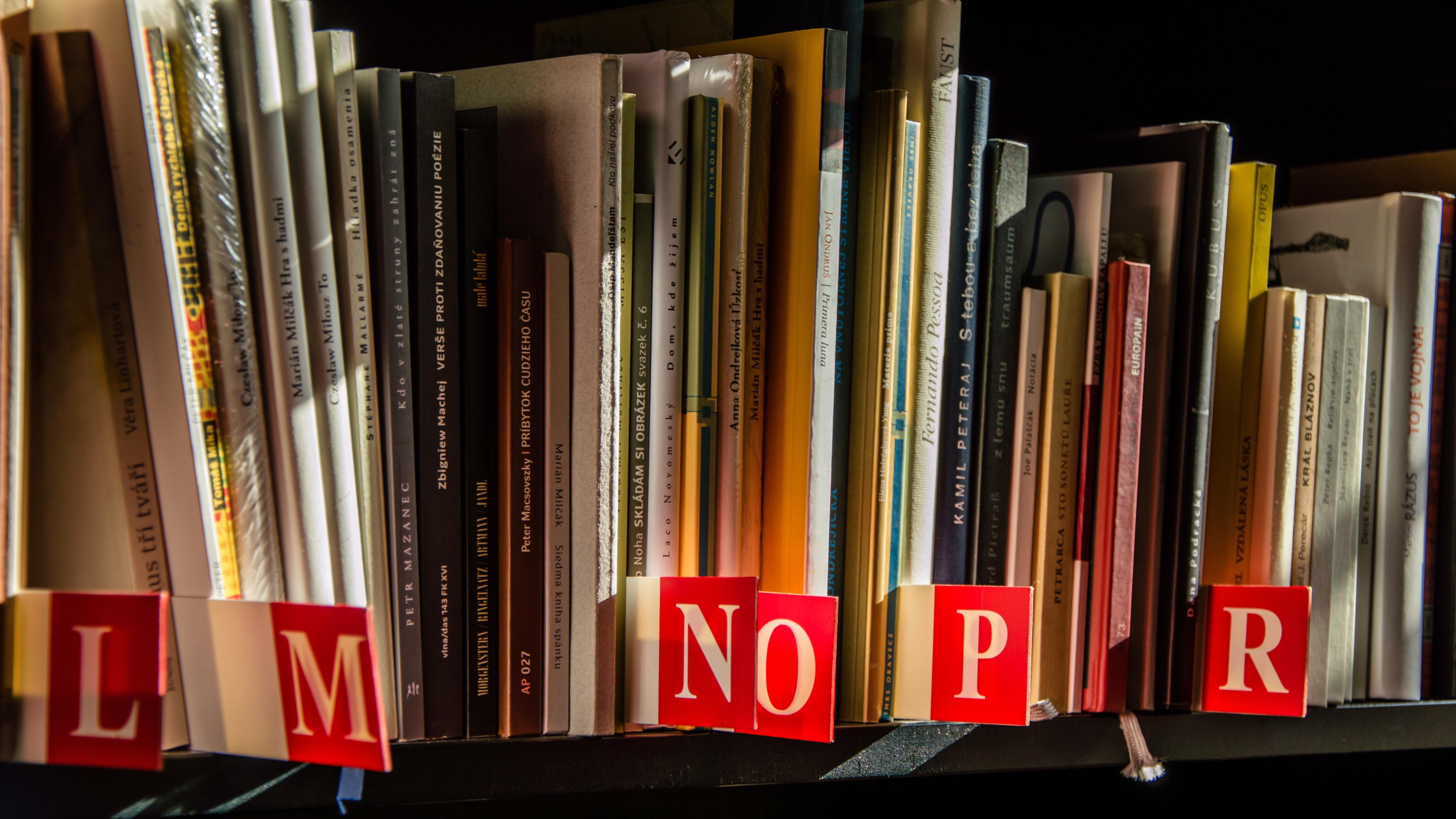 Kostenlose Foto Buch Lesen Lesen Geschaft Alphabet Regal