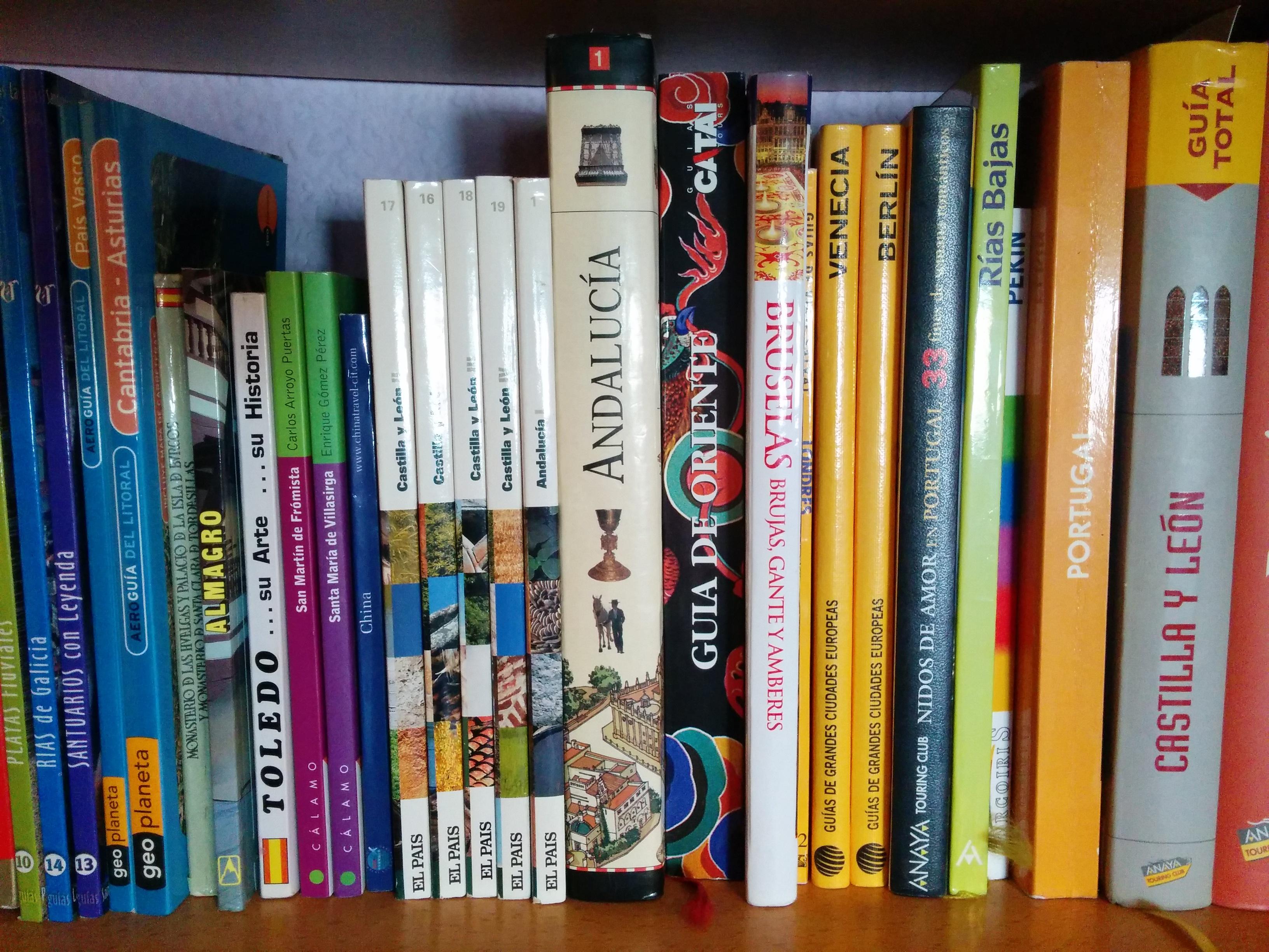 Boekenplank Met Boeken.Gratis Afbeeldingen Boek Reizen Plank Boeken Schappen Gidsen