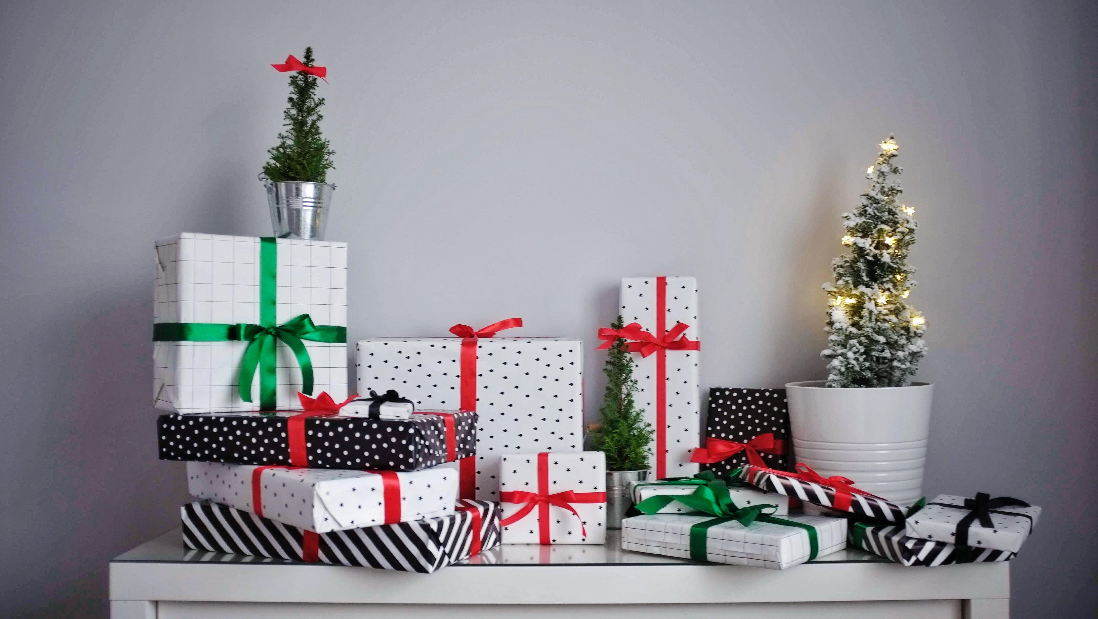 Kostenlose Weihnachtsgeschenke.Kostenlose Foto Bogen Kisten Feier Weihnachten
