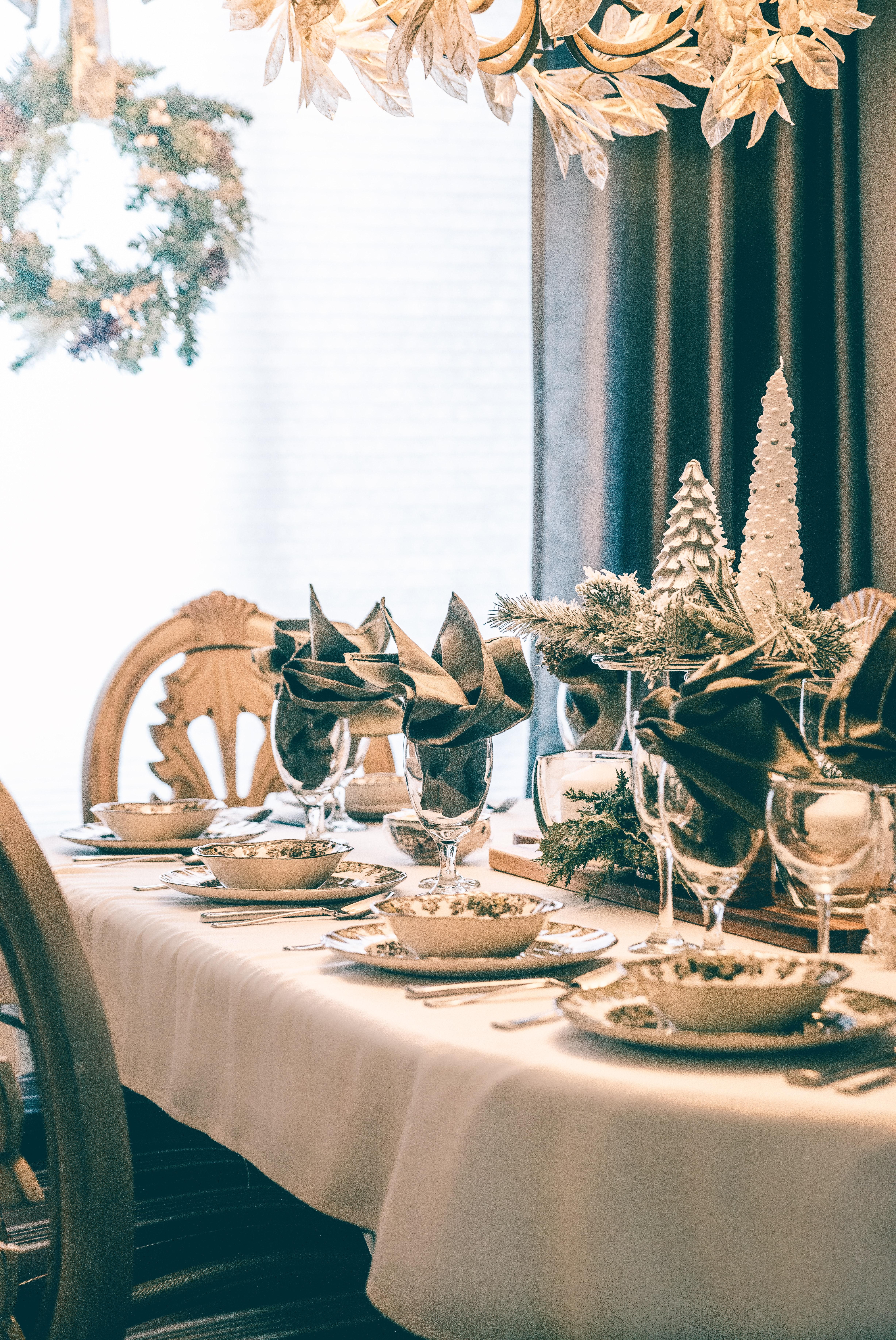 Eettafel Met Gratis Stoelen.Gratis Afbeeldingen Kommen Stoelen Kerst Versiering Decoraties