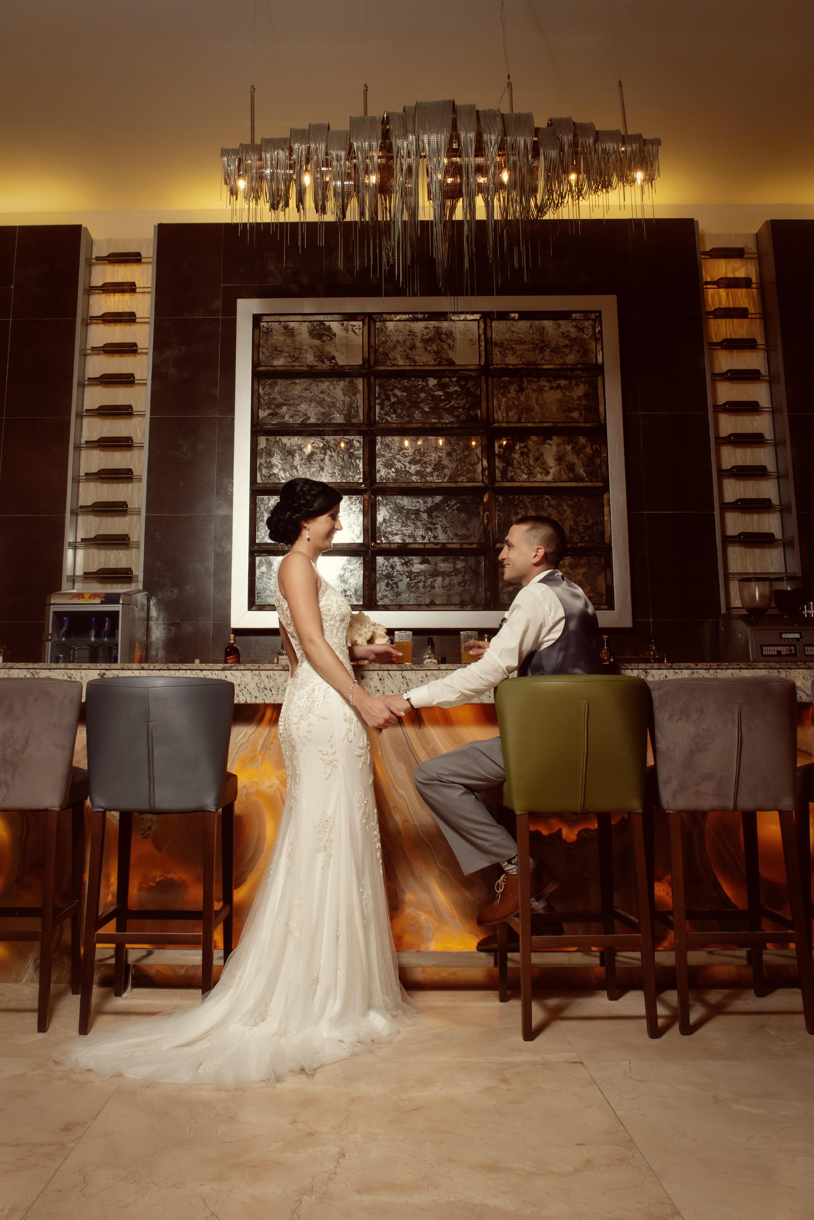 Gratis Afbeeldingen Bruid En Bruidegom Stoelen