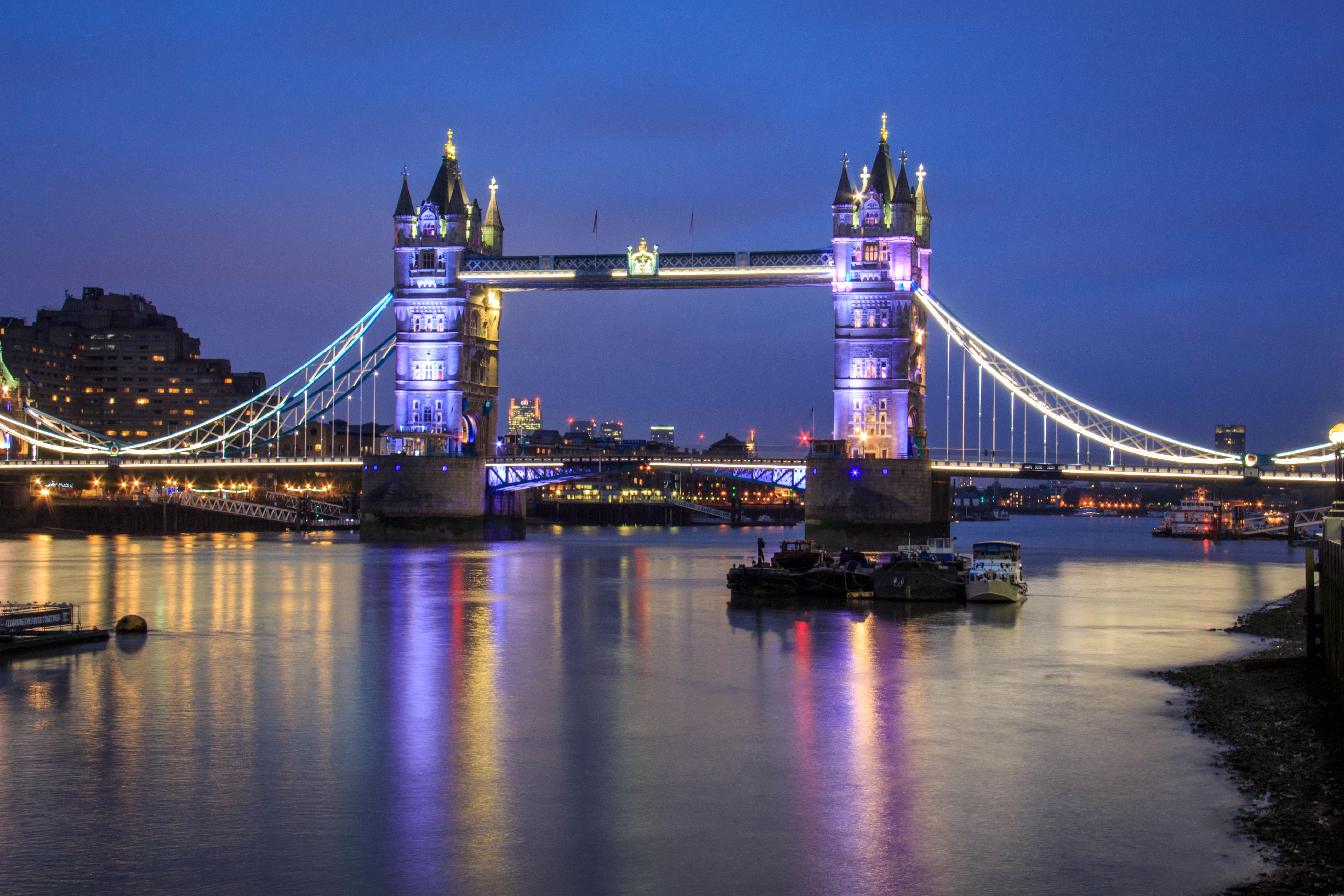 картинки английского моста думать автобусах