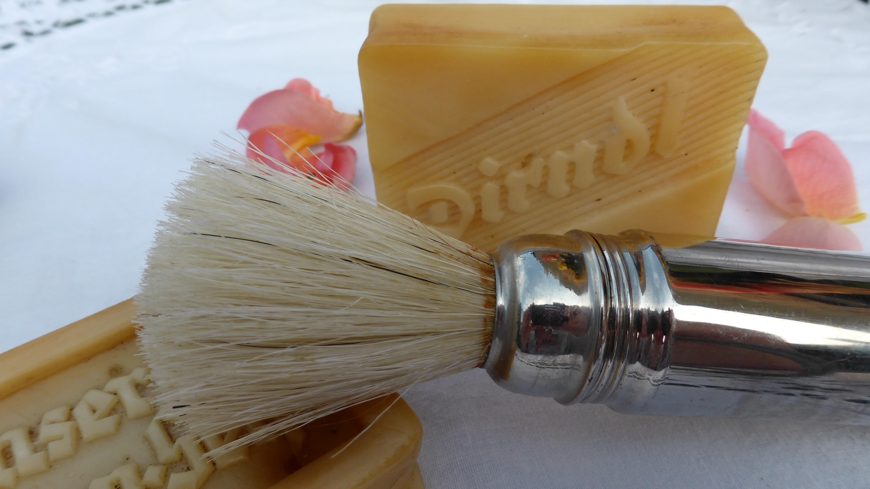 Drap De Bain Savon De Marseille images gratuites : brosse, se soucier, manucure, rasage