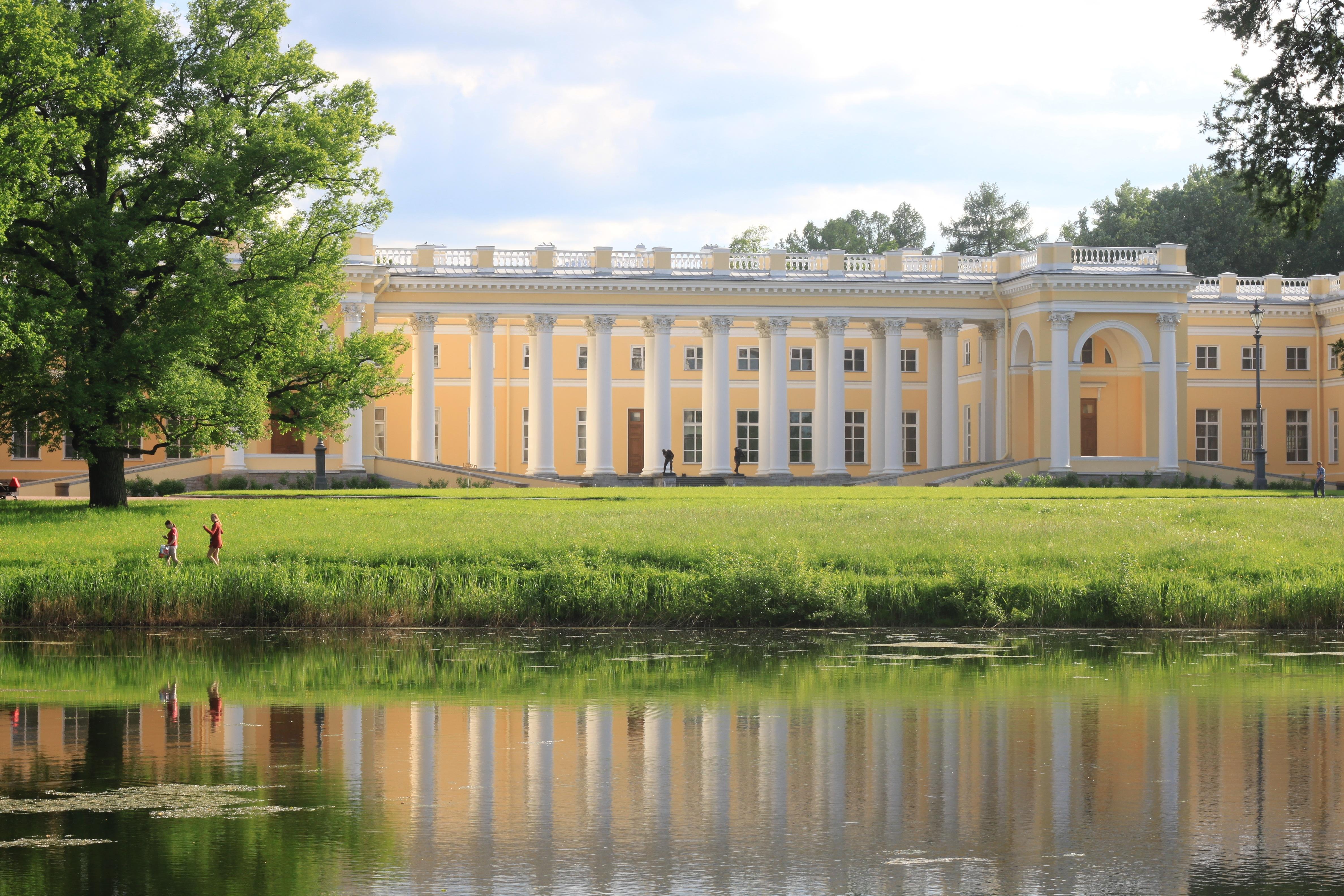 тем как дворец в александровском парке пушкин фото был жестко ограничен