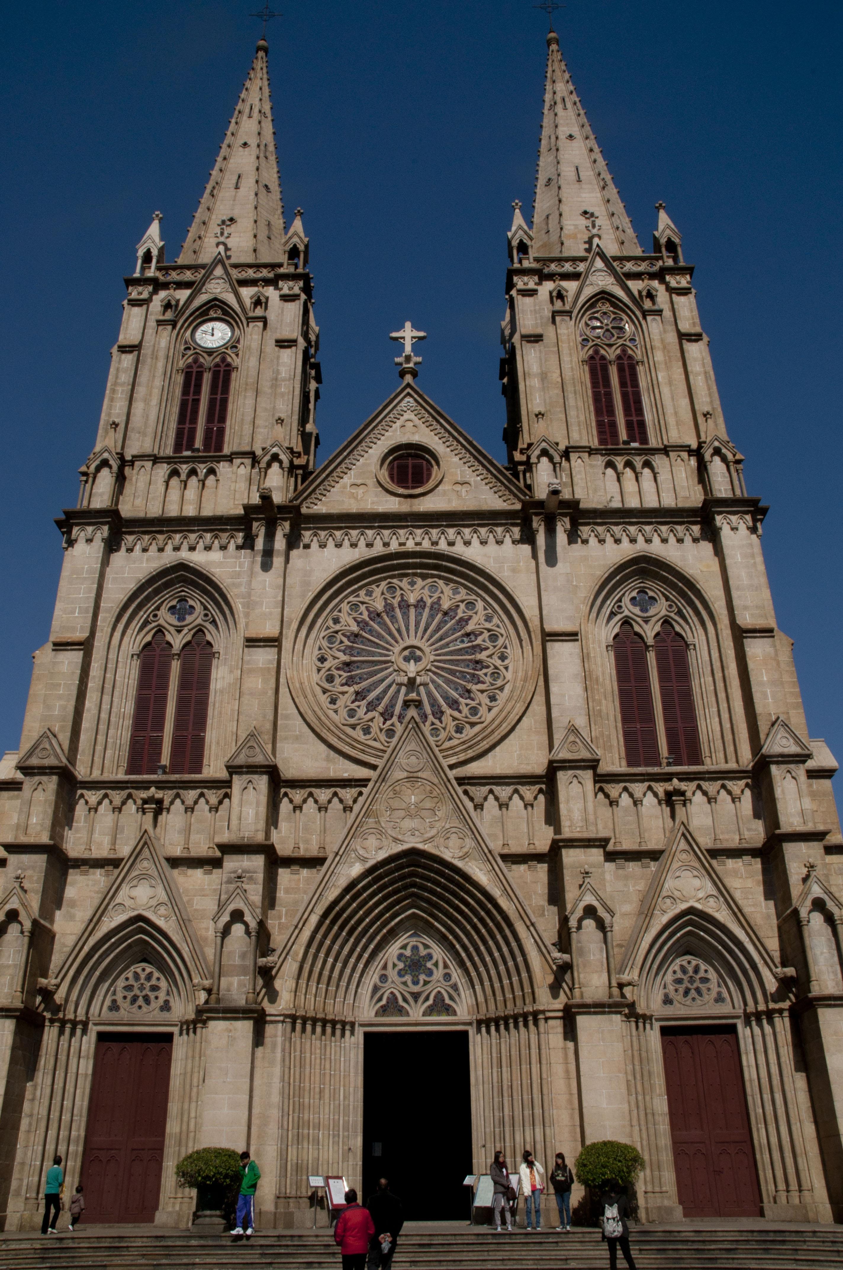Fotos gratis edificio fachada iglesia catedral lugar for Arquitectura medieval