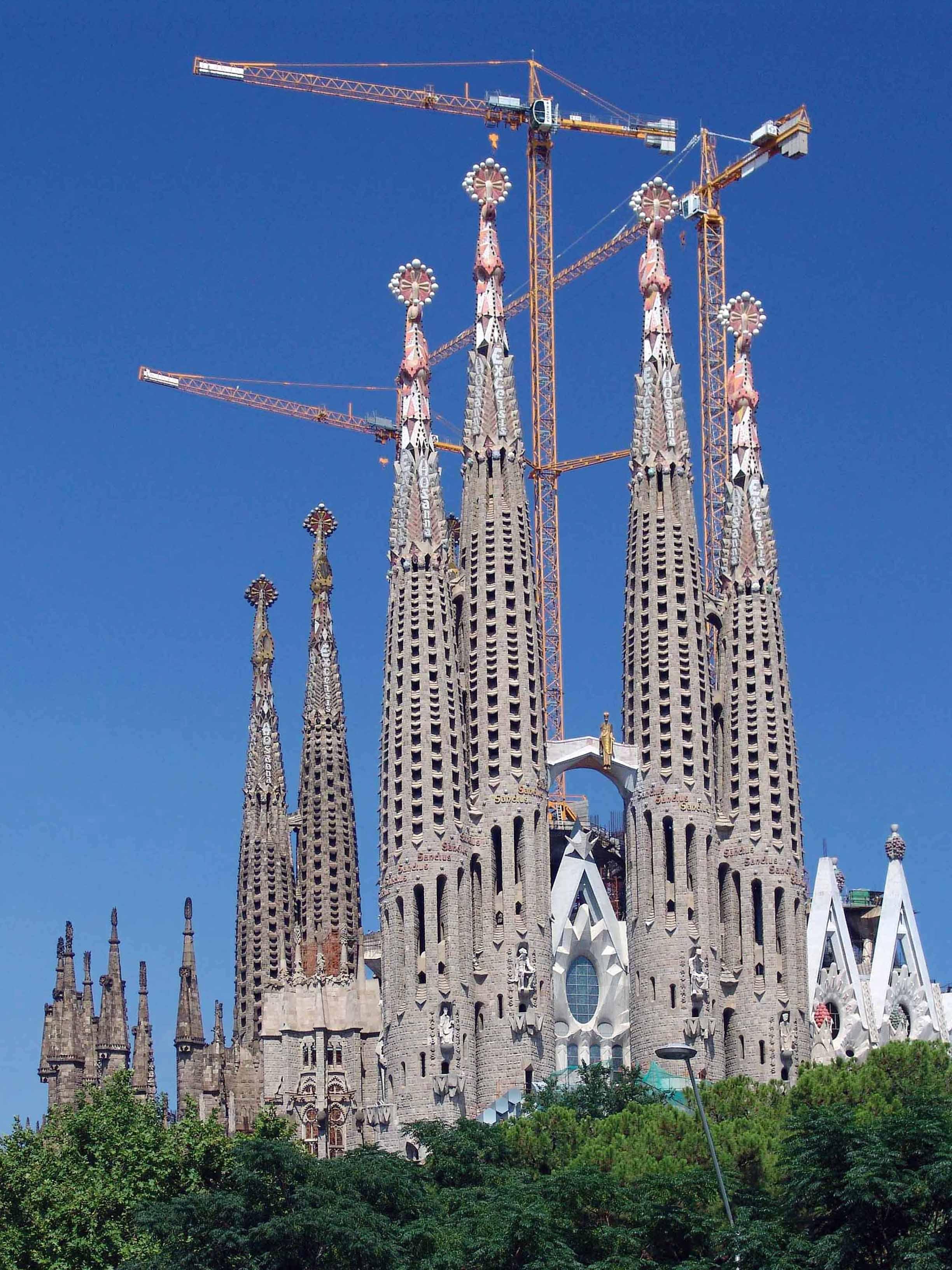 Free images building skyscraper tower landmark for Familia barcelona