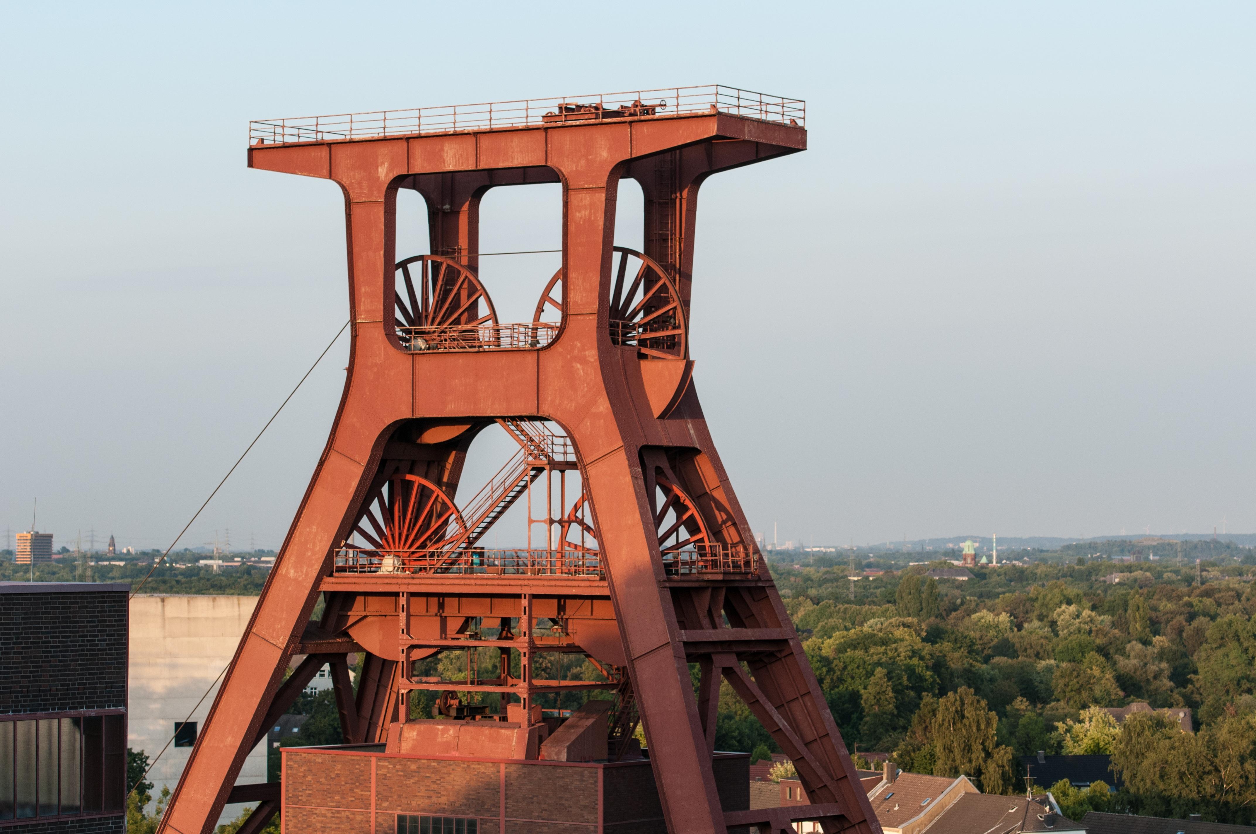 Kostenlose foto : Gebäude, Fahrzeug, Turm, Industrie, Attraktion ...