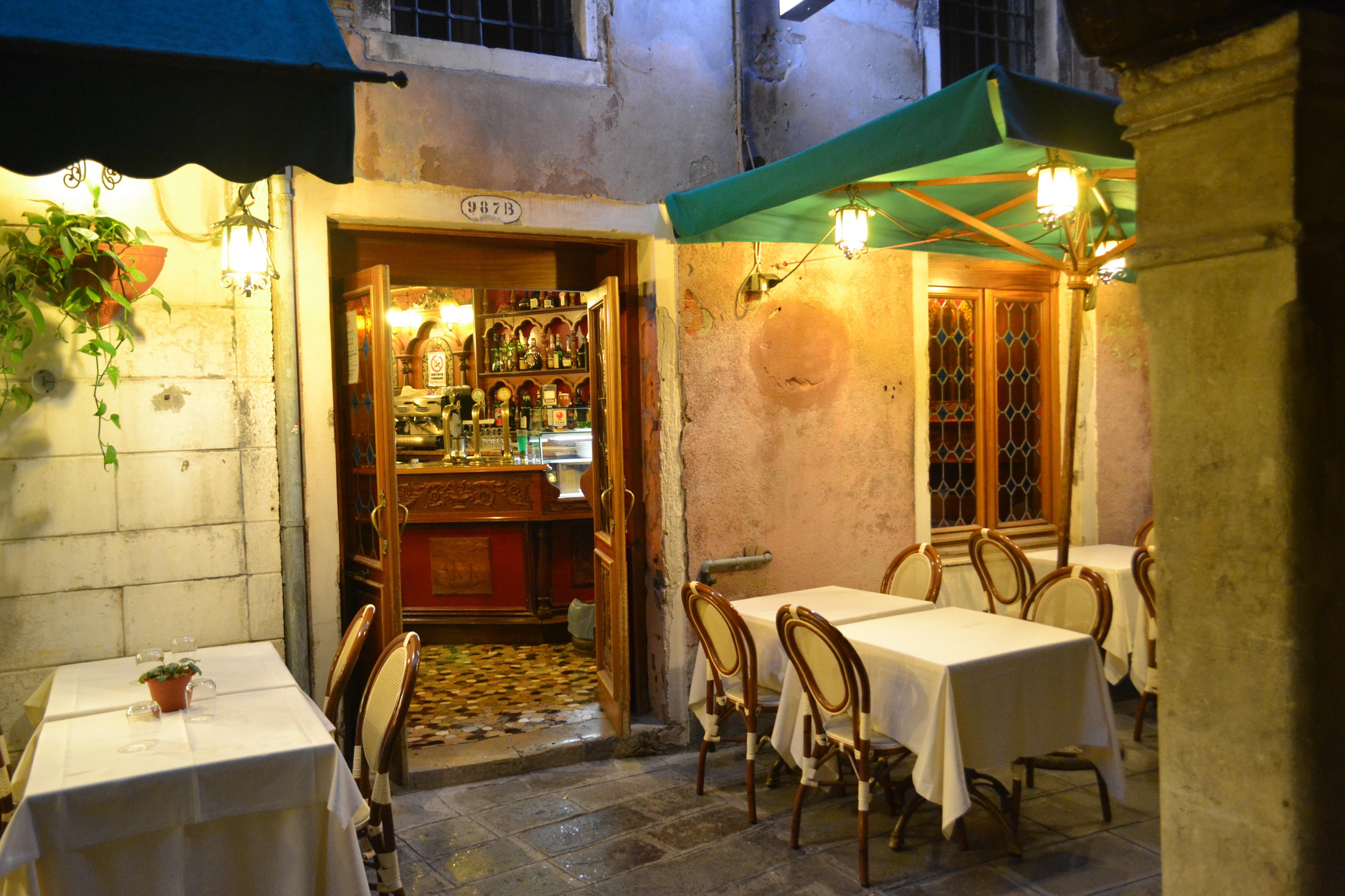 Kostenlose foto : Cafe, Kaffee, Nacht-, Restaurant, Bar, Italien ...