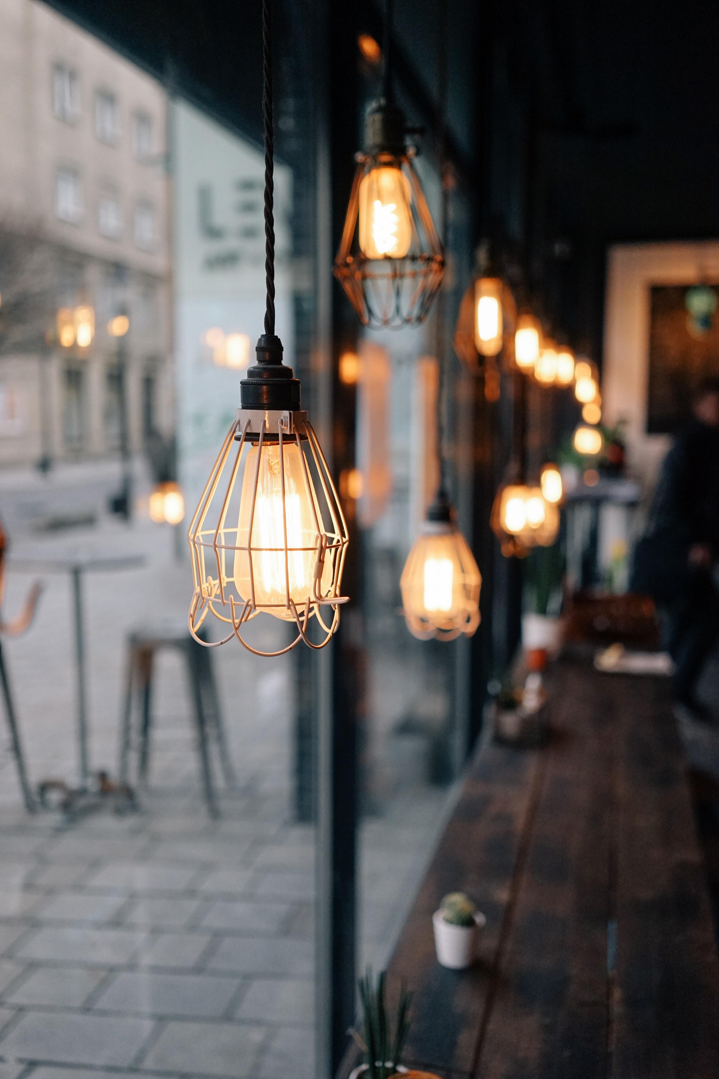 картинка с фонарем и лампочками когда это фанарты