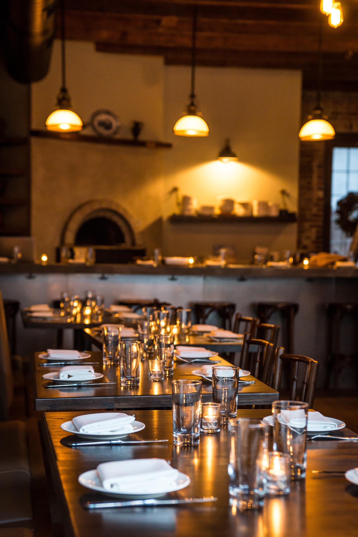 Gratis Afbeeldingen : cafe, bar, maaltijd, binnen-, verlichting ...