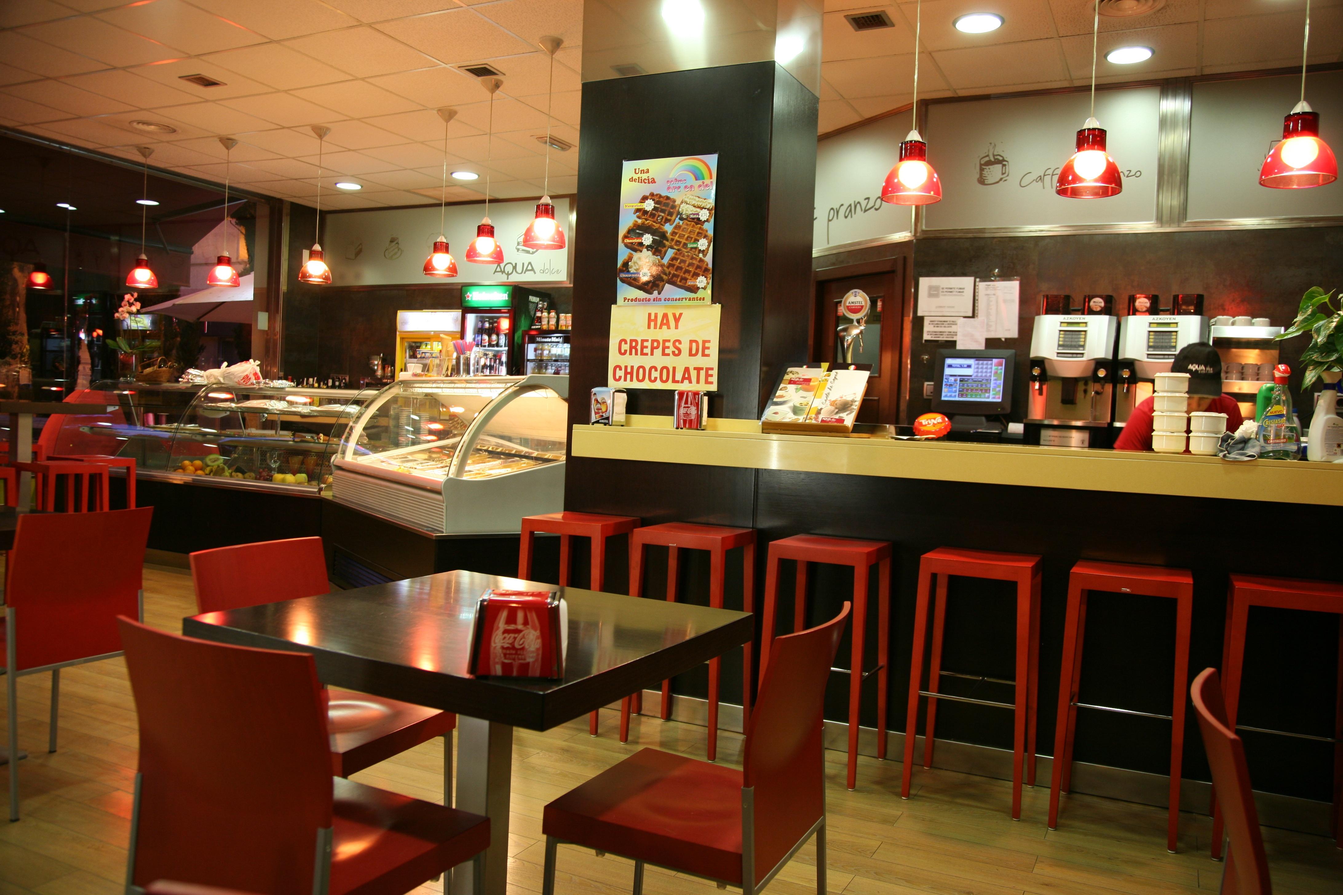 Fotos gratis cafeter a bar dise o de interiores for Diseno de interiores grado madrid