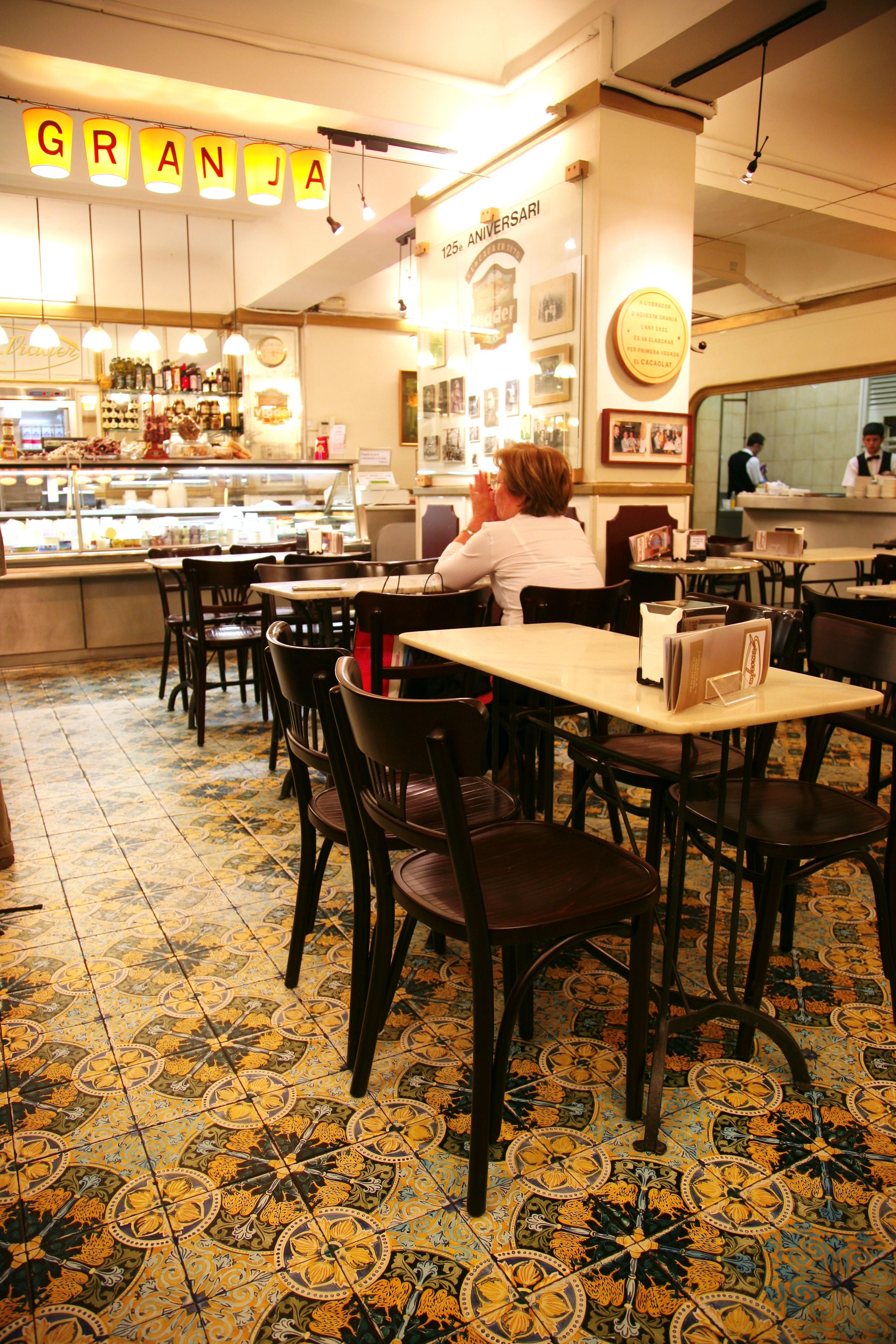 Fotos gratis cafeter a restaurante comida chocolate leche barcelona dise o de interiores - Diseno interiores barcelona ...
