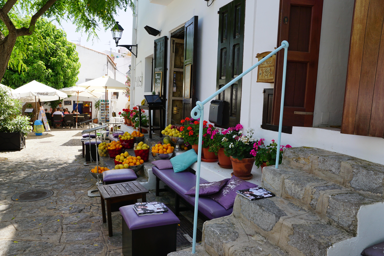 Fotos gratis cafeter a villa flor restaurante caba a patio interior propiedad jugo - Ley propiedad horizontal patio interior ...