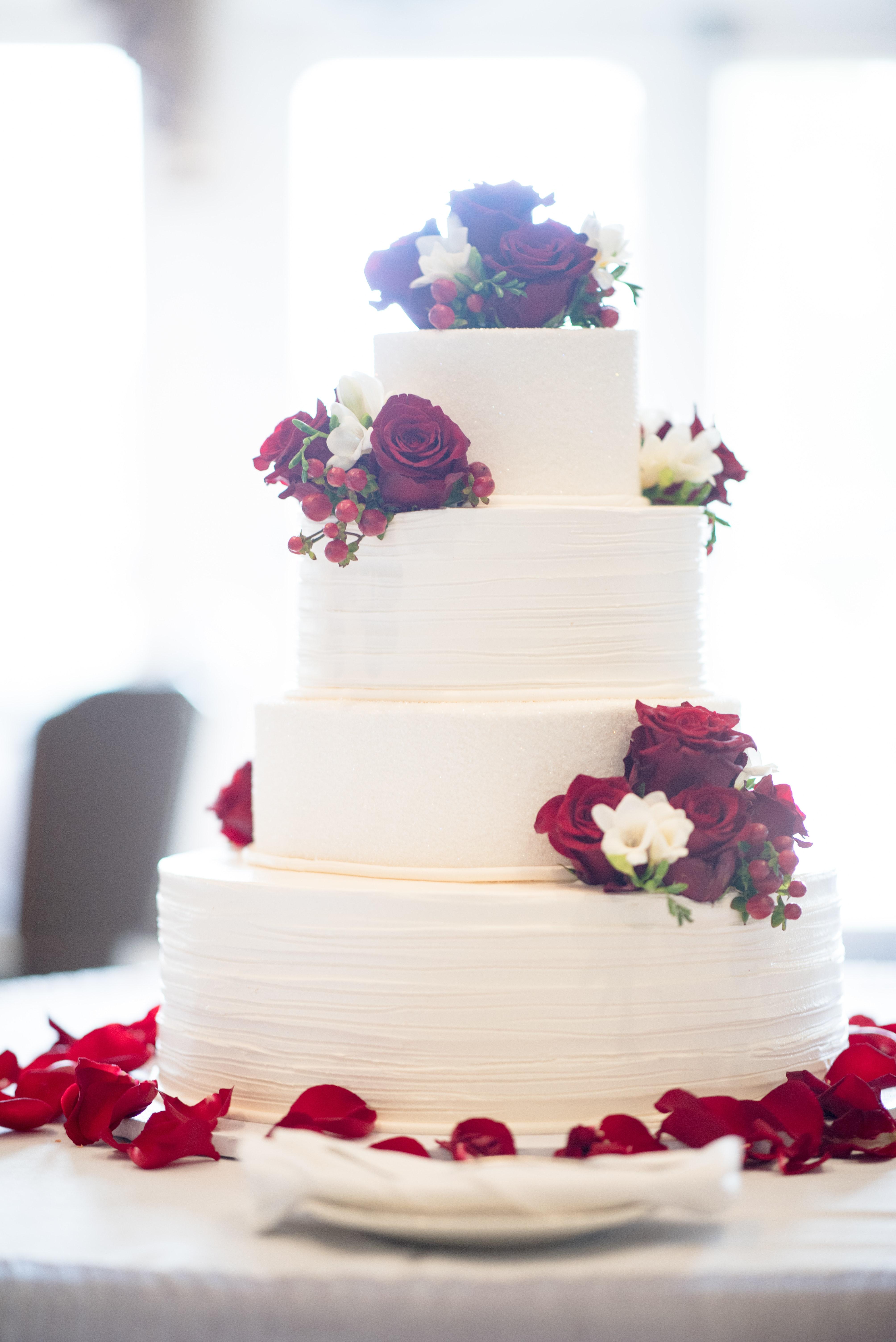 图片素材 庆典 巧克力 糖果 奶油 装饰 美味的 甜点 餐饮 刨冰 在室内 豪华 红玫瑰
