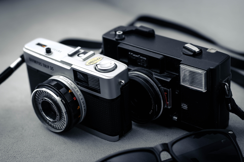 Нужен ли зеркальный фотоаппарат любителю