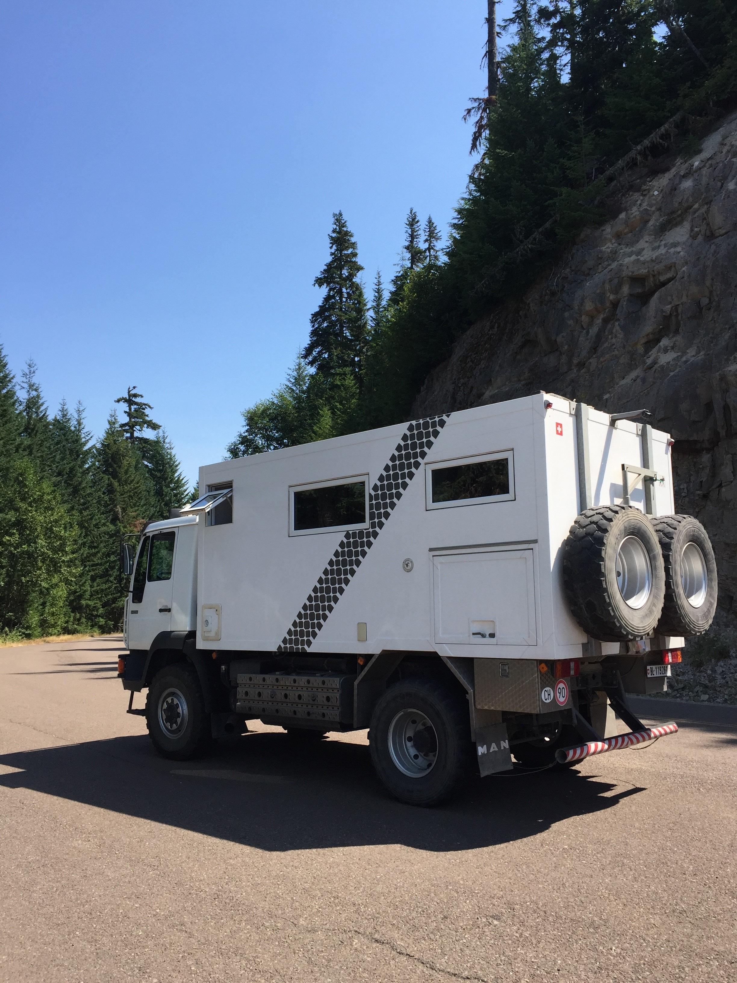 images gratuites voiture aventure asphalte vacances transport un camion camping en. Black Bedroom Furniture Sets. Home Design Ideas