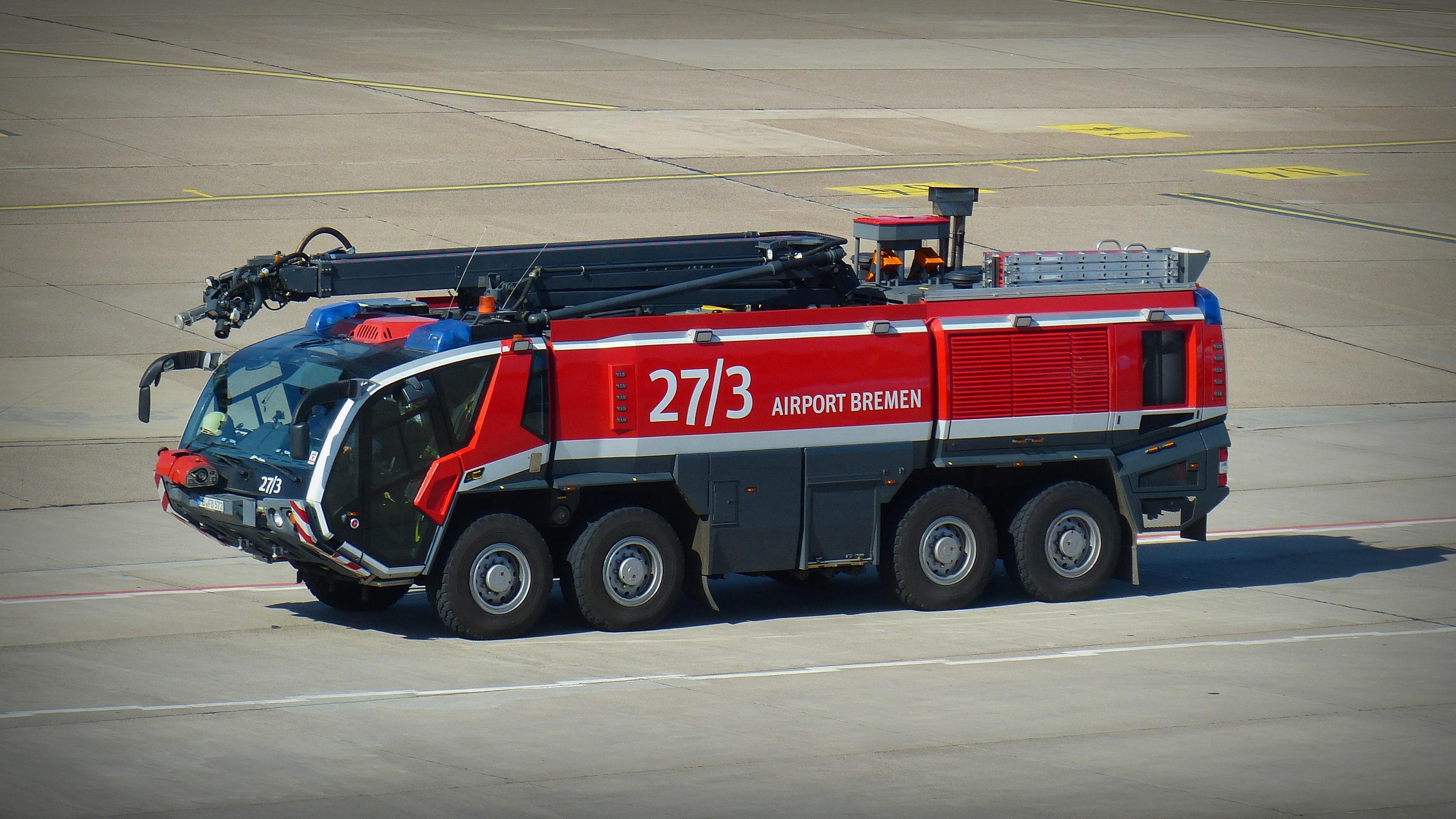 Fotoğraf Araba Havalimanı Nakliye Kamyon Araç Ateş Güvenlik